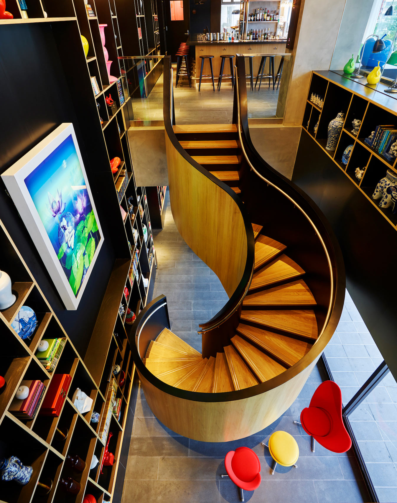 citizenM-Taipei-North-Gate---Staircase.jpg