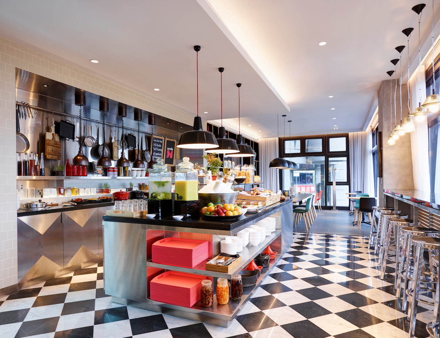 CitizenM-Taipei-North-Gate---canteenM-2.jpg