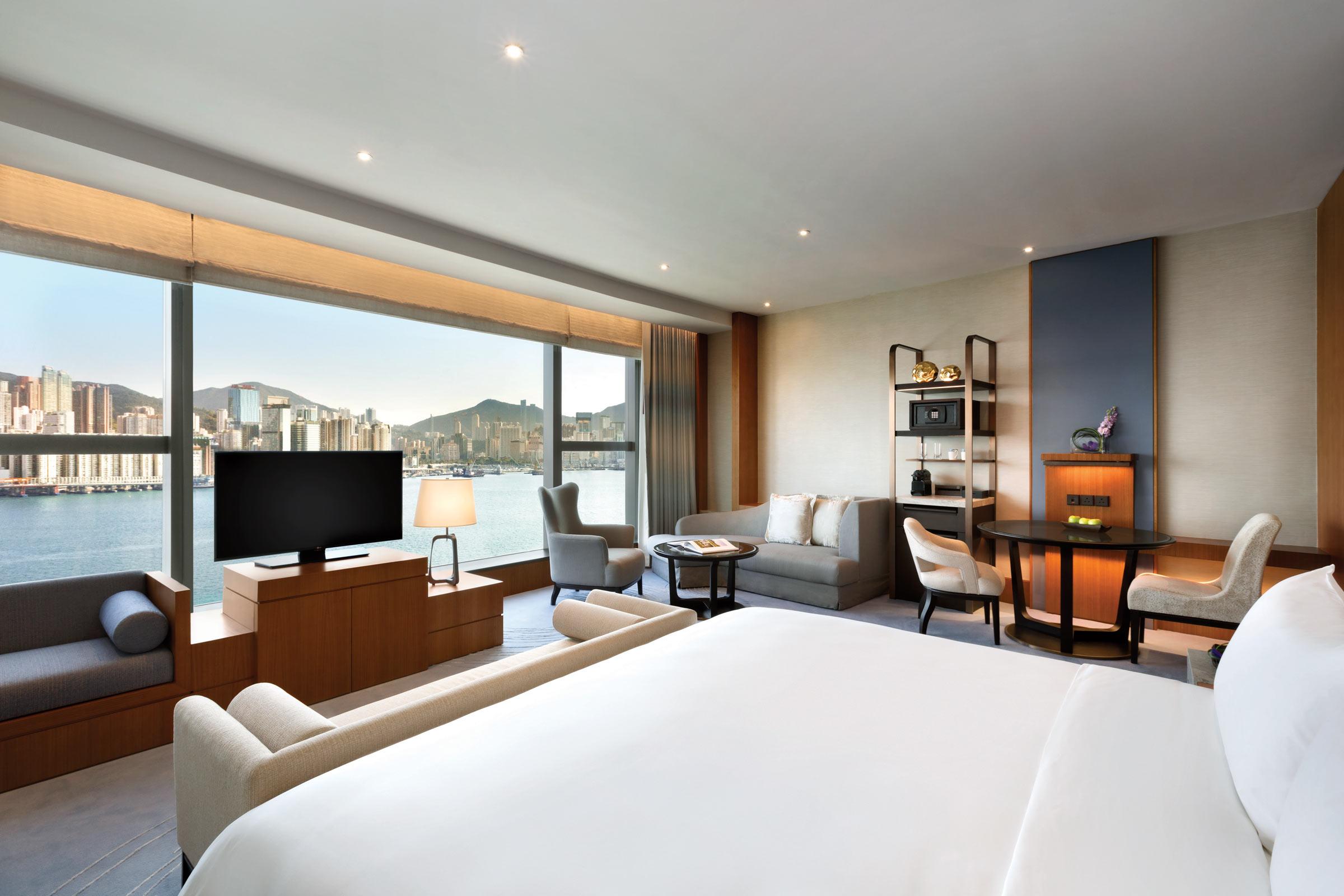 Kerry-Hotel-Hong-Kong---Premier-Sea-View---1196492.jpg