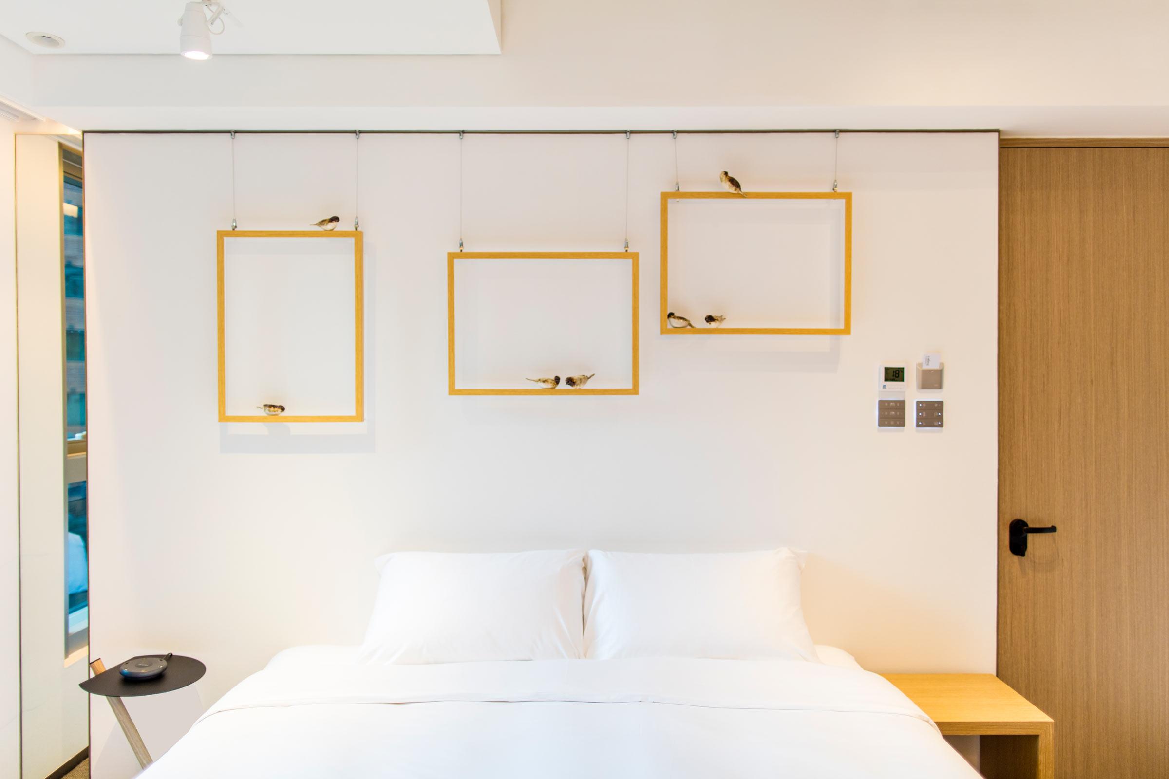 Hotel_Stage_Room.jpg