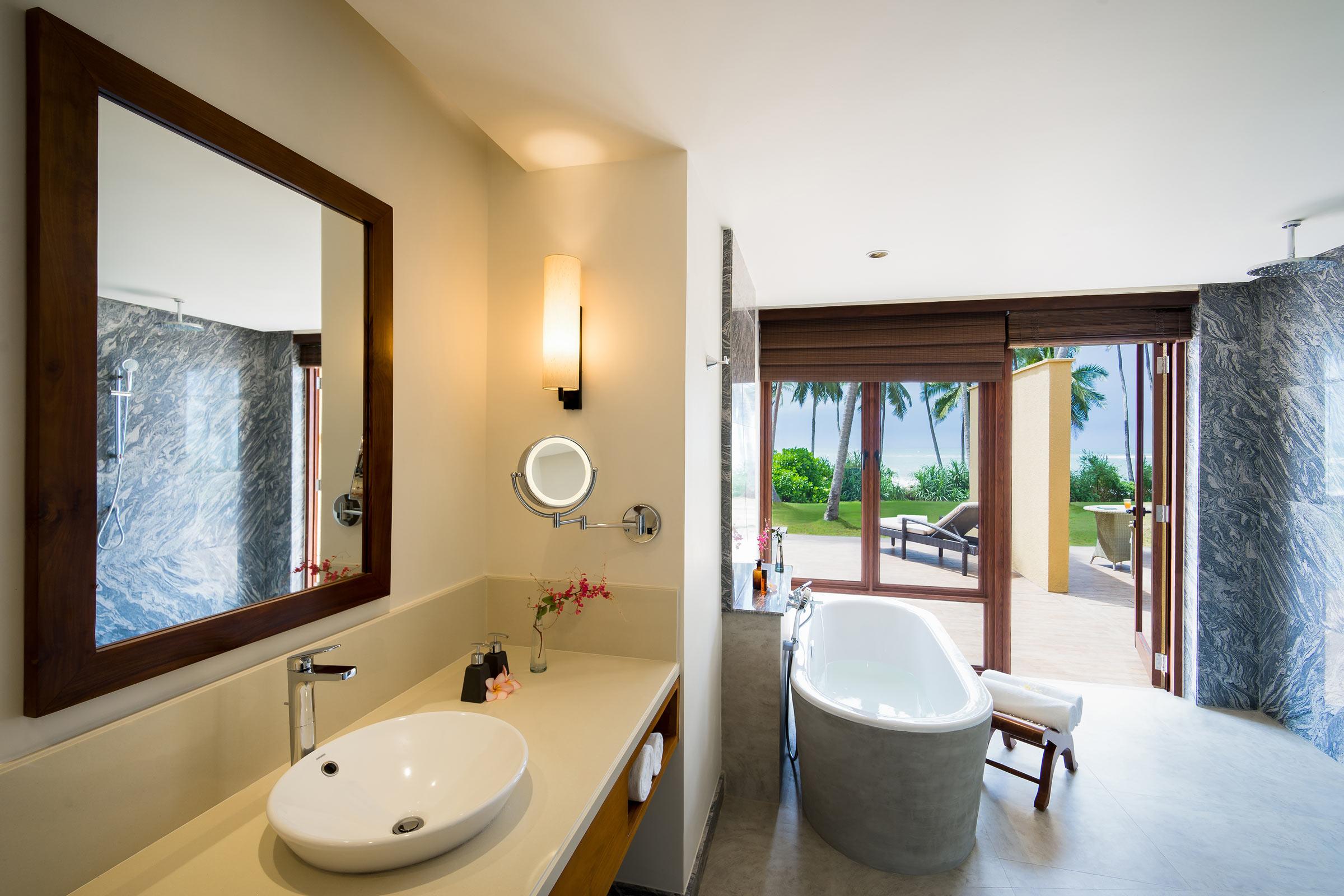 Anantara-Peace-Haven-Tangalle-Resort-_Beach-Villa_Bathroom.jpg
