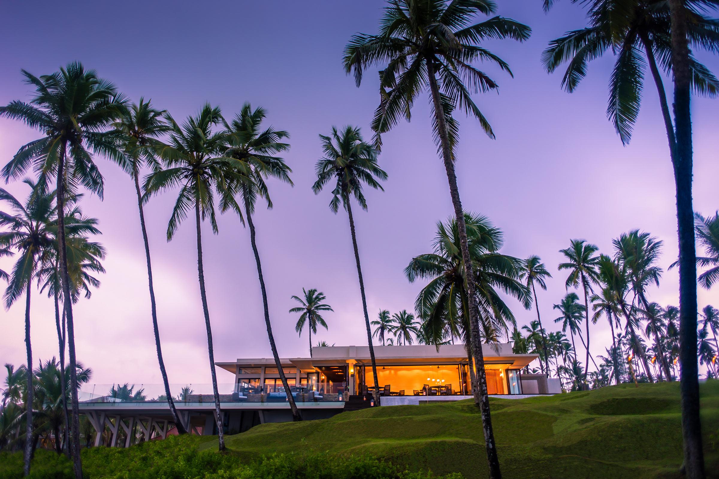 Anantara-Peace-Haven-Tangalle-Resort-Il_Mare_Evening.jpg