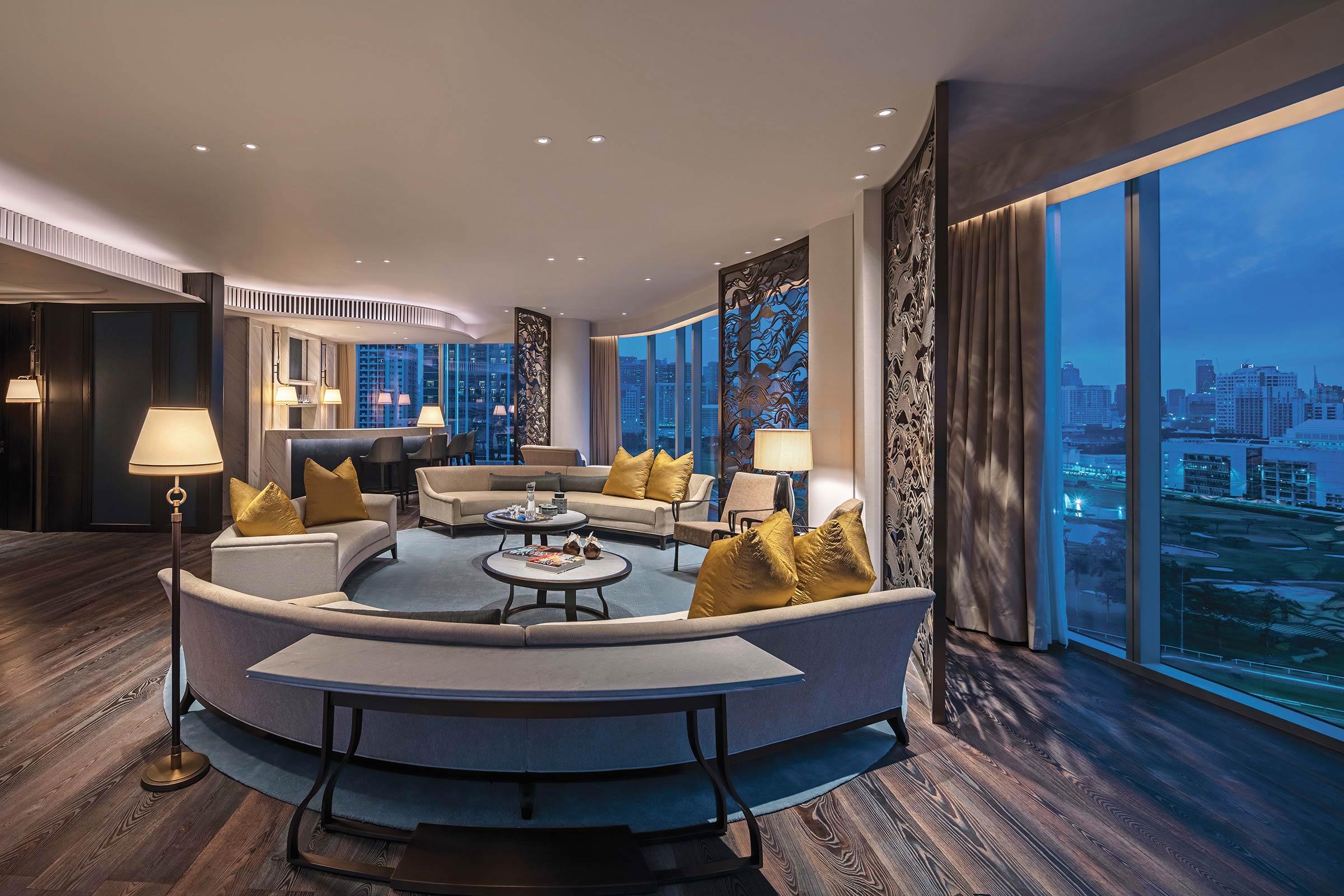EXCLUSIVE-IMAGE_WABKK_Royal-Suite-Living-Area.jpg