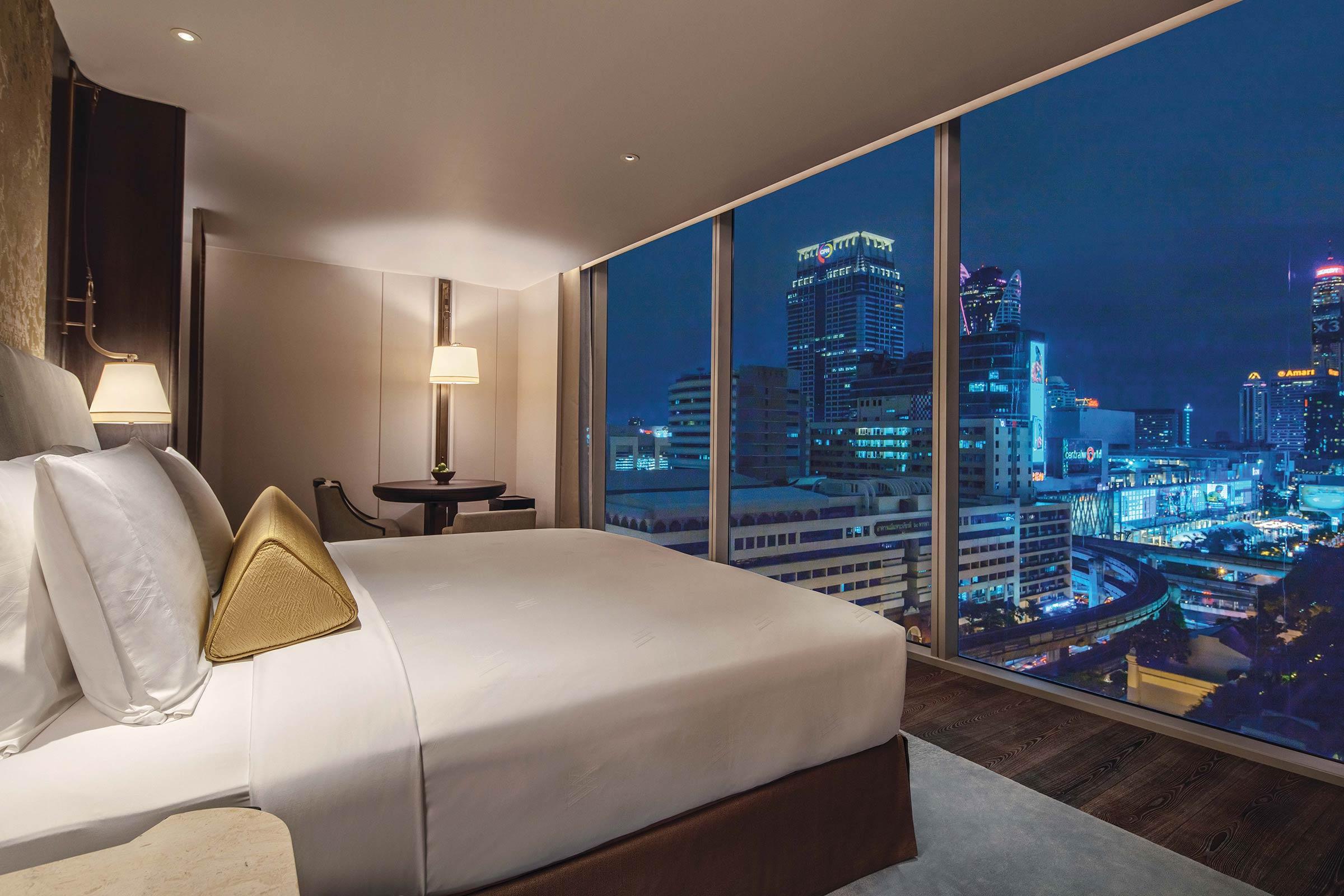 EXCLUSIVE-IMAGE_WABKK_Waldorf-Suite-Bedroom.jpg