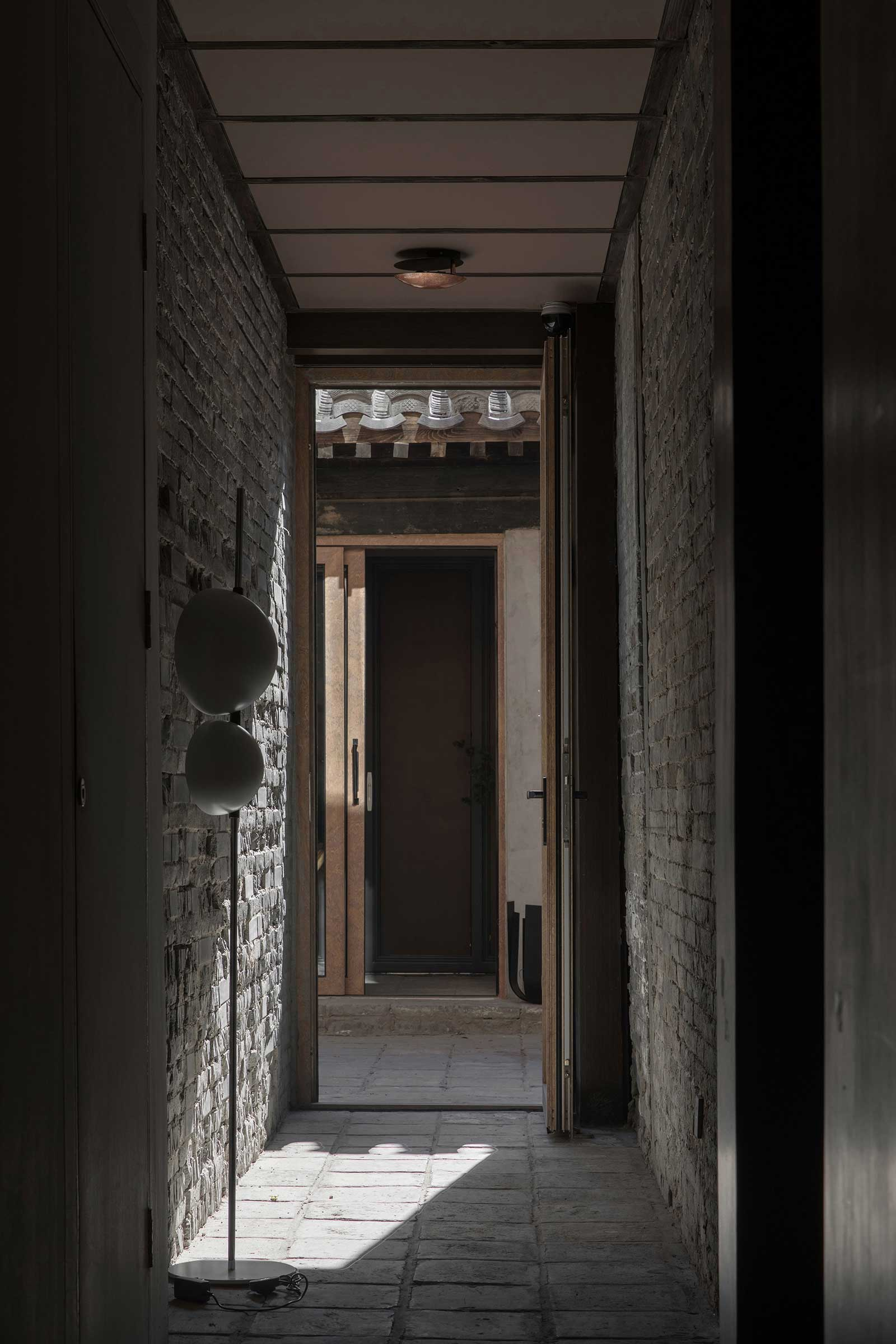 quad-house-ARCHISTRY-nolan-chao-16--corridor.jpg