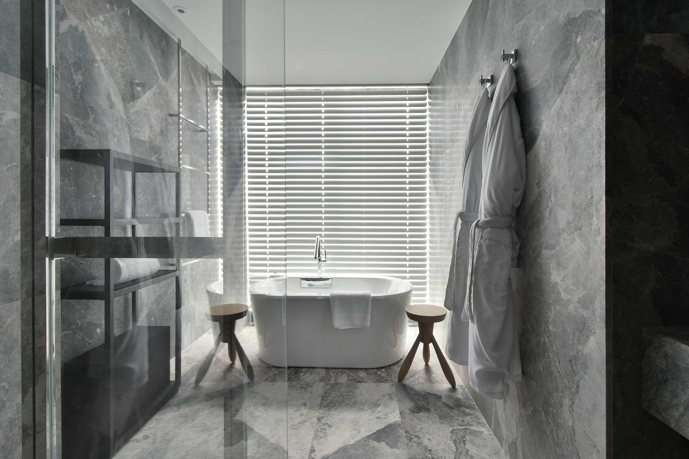 1805-Premier-King晶英大床房浴室.jpg