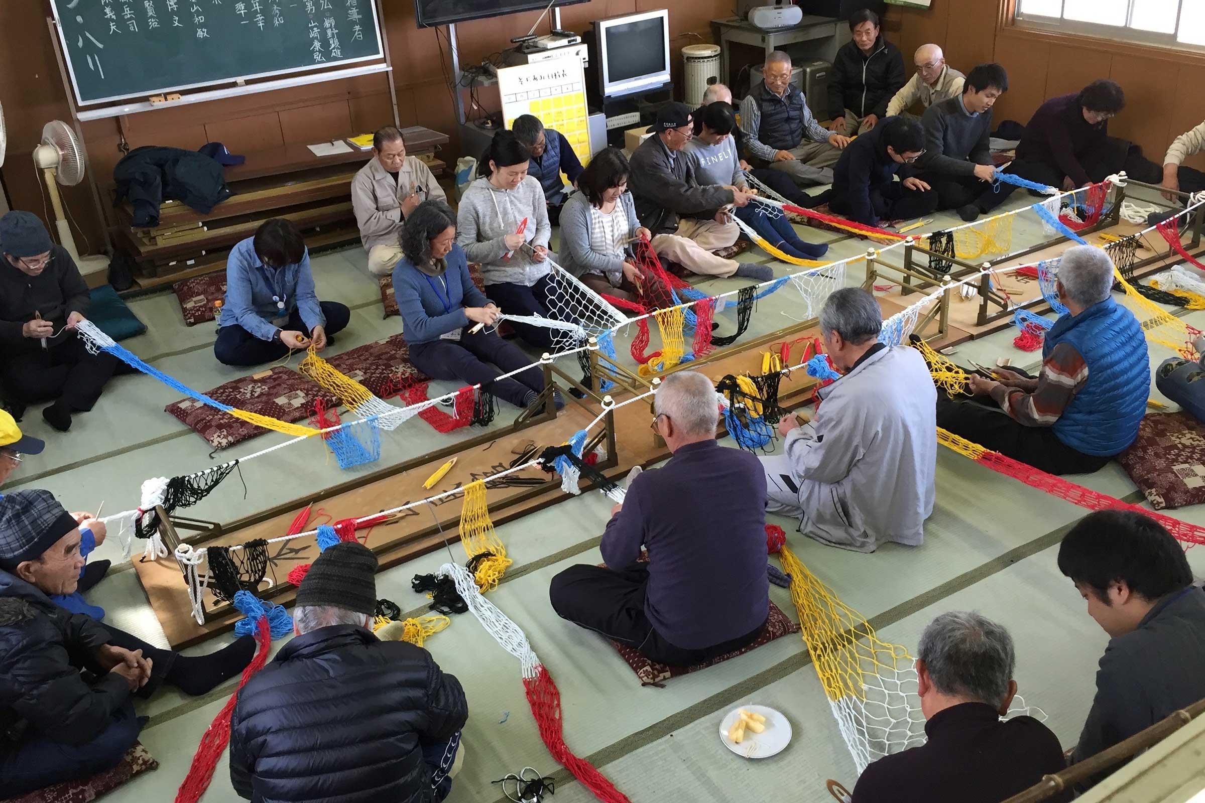 Knitting workshop on the island. Image by Yasuaki Igarashi