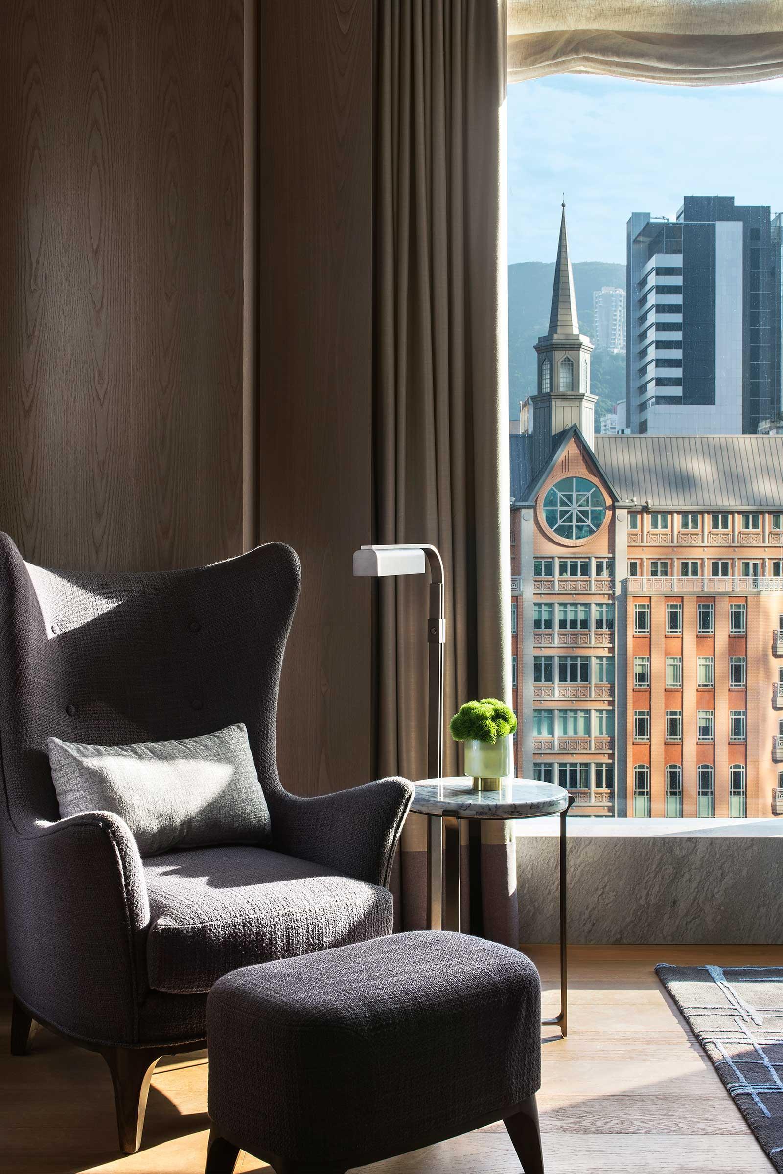 St.-Regis-Hong-Kong,-Guest-Room-Sofa-Seat-Vignette.jpg