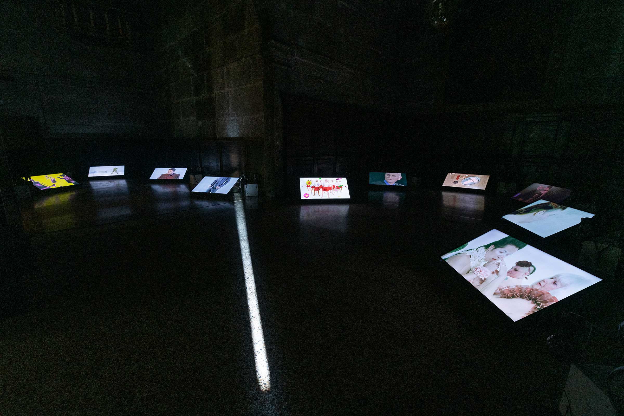 (1)-Shu-Lea-Cheang,-3X3X6,-mixed-media-installation-©-Shu-Lea-Cheang..jpg