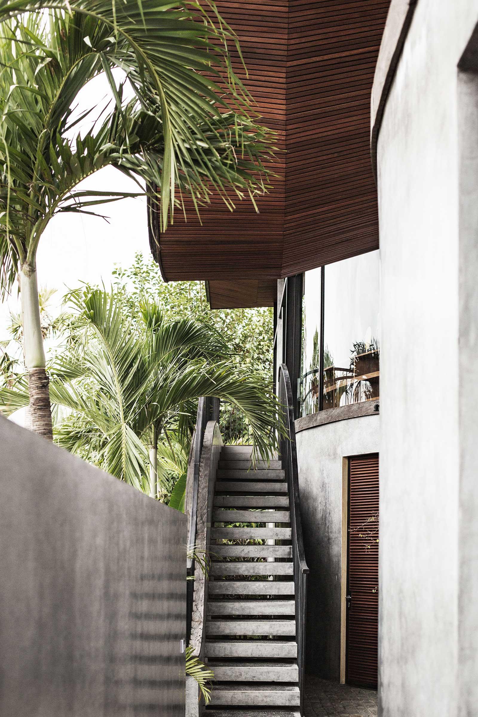 Flow-House---Exteriors-(Entrance)-(1-of-7).jpg