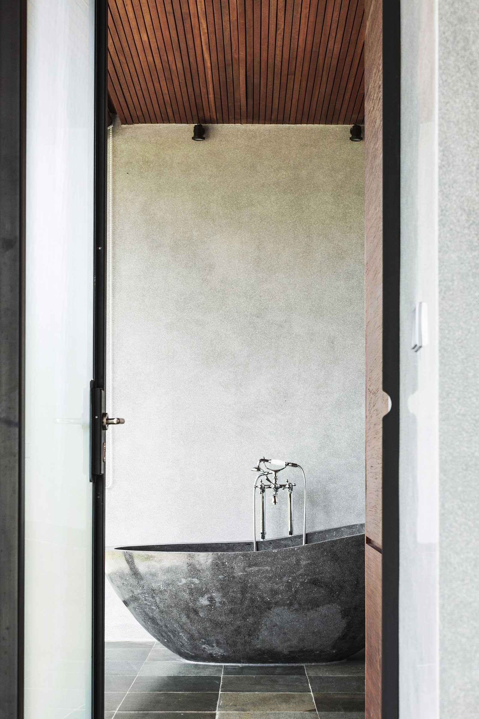 Flow-House---Interiors-(Room-3)-(3-of-8).jpg