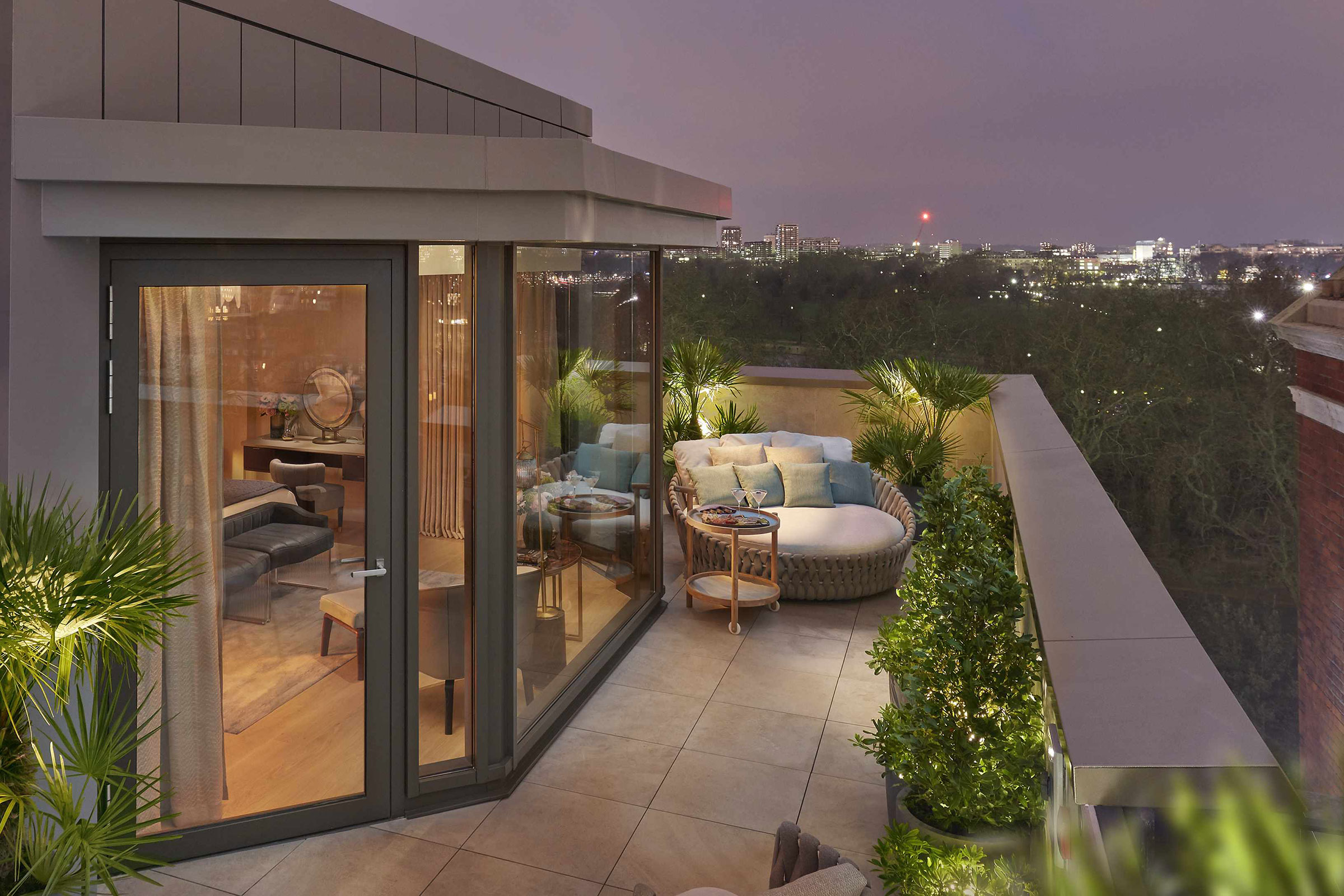Joyce-Wang-Mandarin-Oriental-Penthouse-(1).jpg