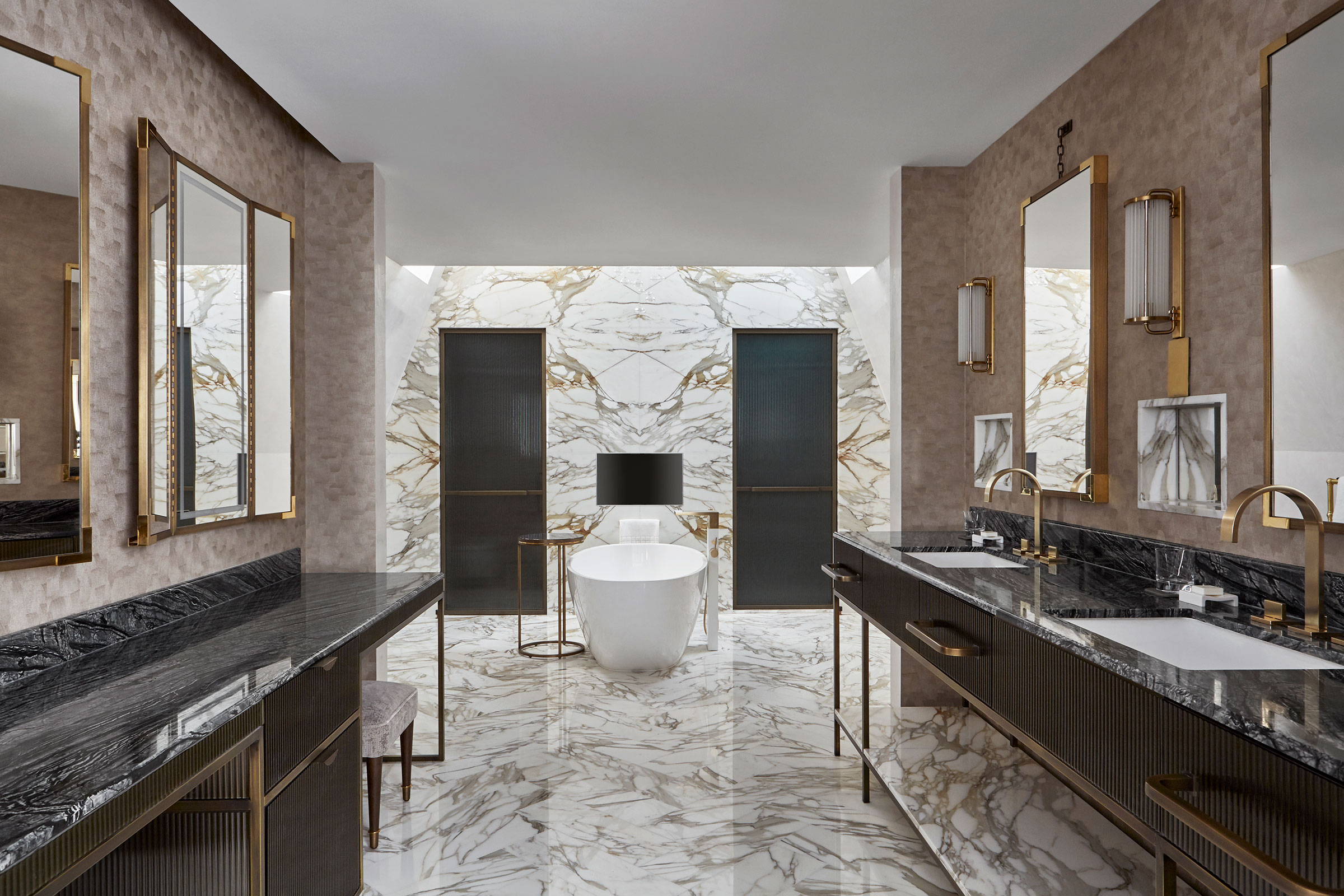 Joyce-Wang-Mandarin-Oriental-Penthouse-(4).jpg