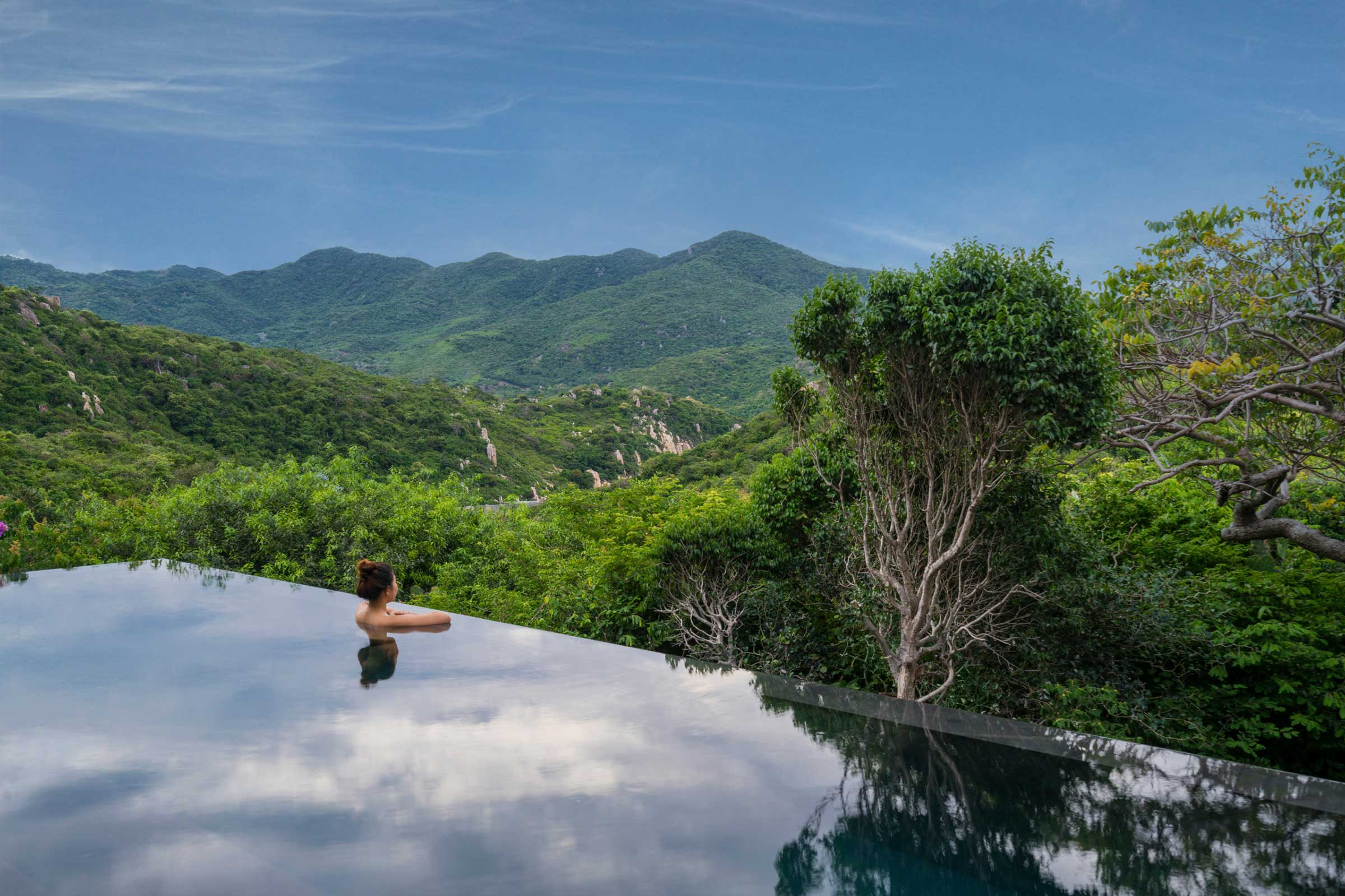 Amanoi,-Vietnam---View-to-the-Mountain-from-Spa-House-Pool_High-Res_14581.jpg
