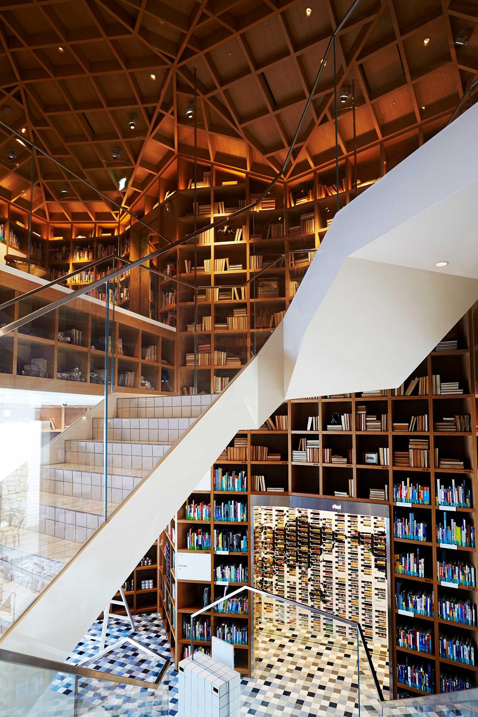 Travel-Library-3.jpg