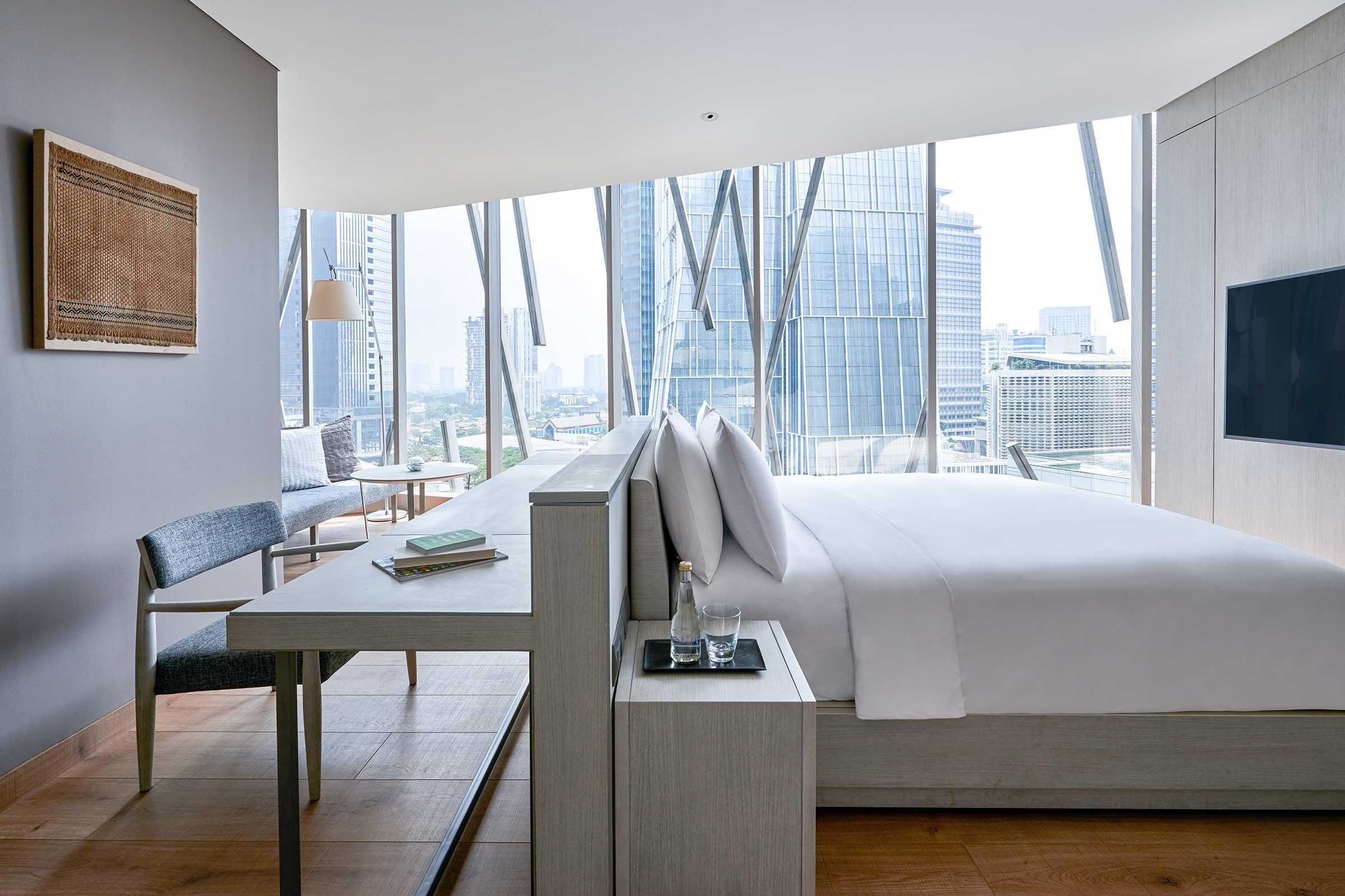 AJS---Accommodation---XL-King---Bedroom.jpg
