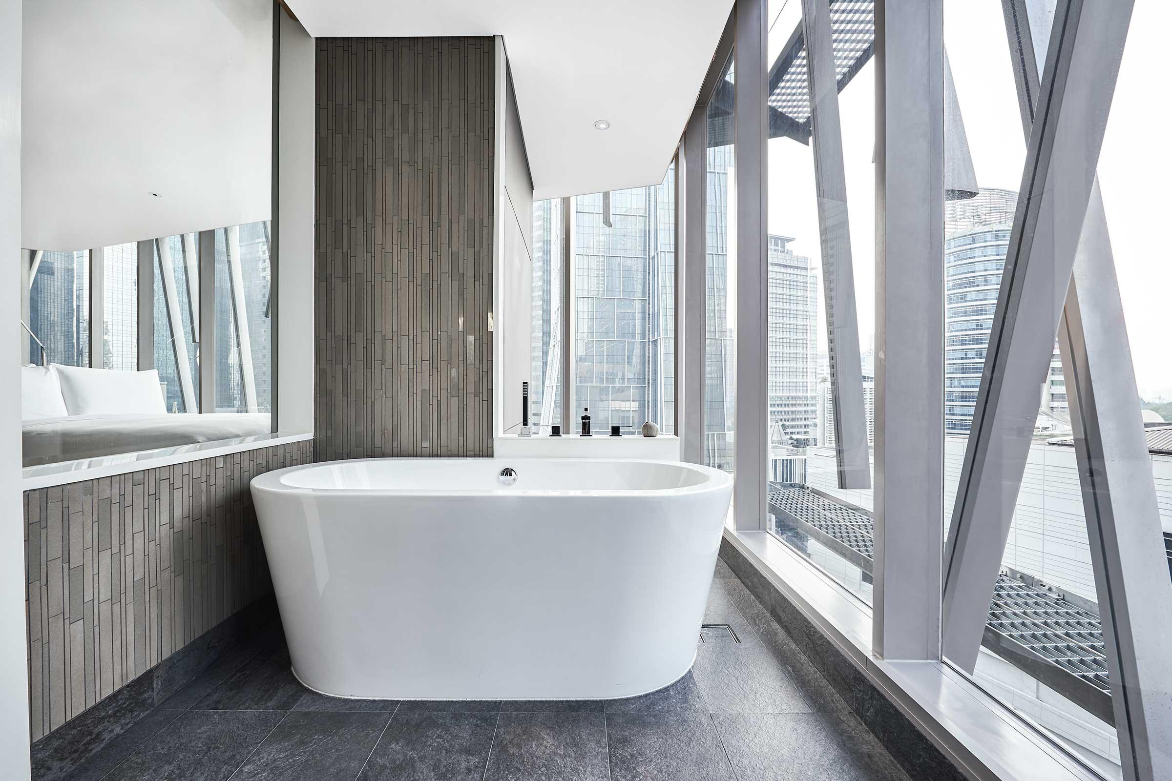 AJS---Accommodation---XL-King---Bathtub.jpg