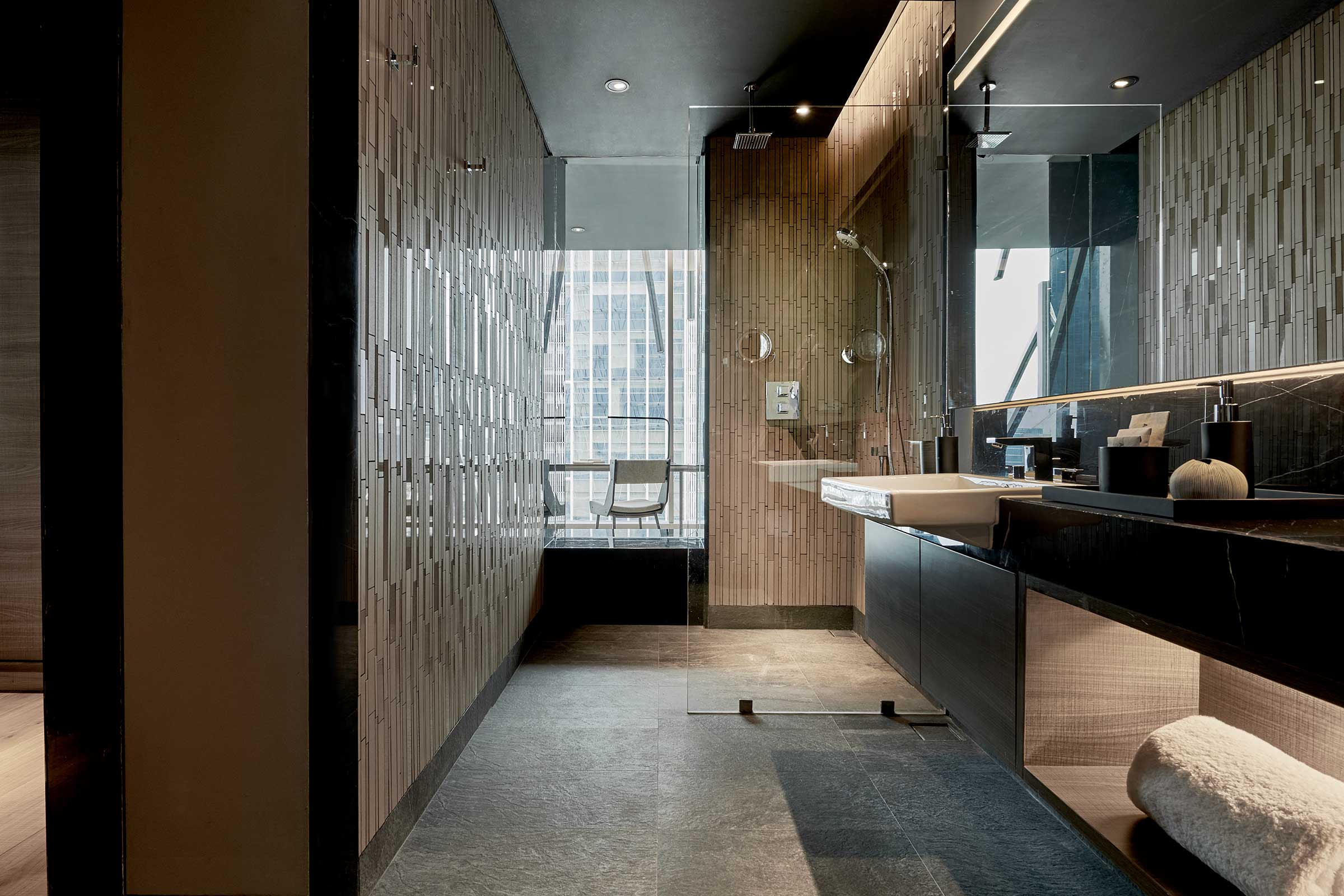 AJS---Accommodation---Studio-King-V1---Bathroom.jpg