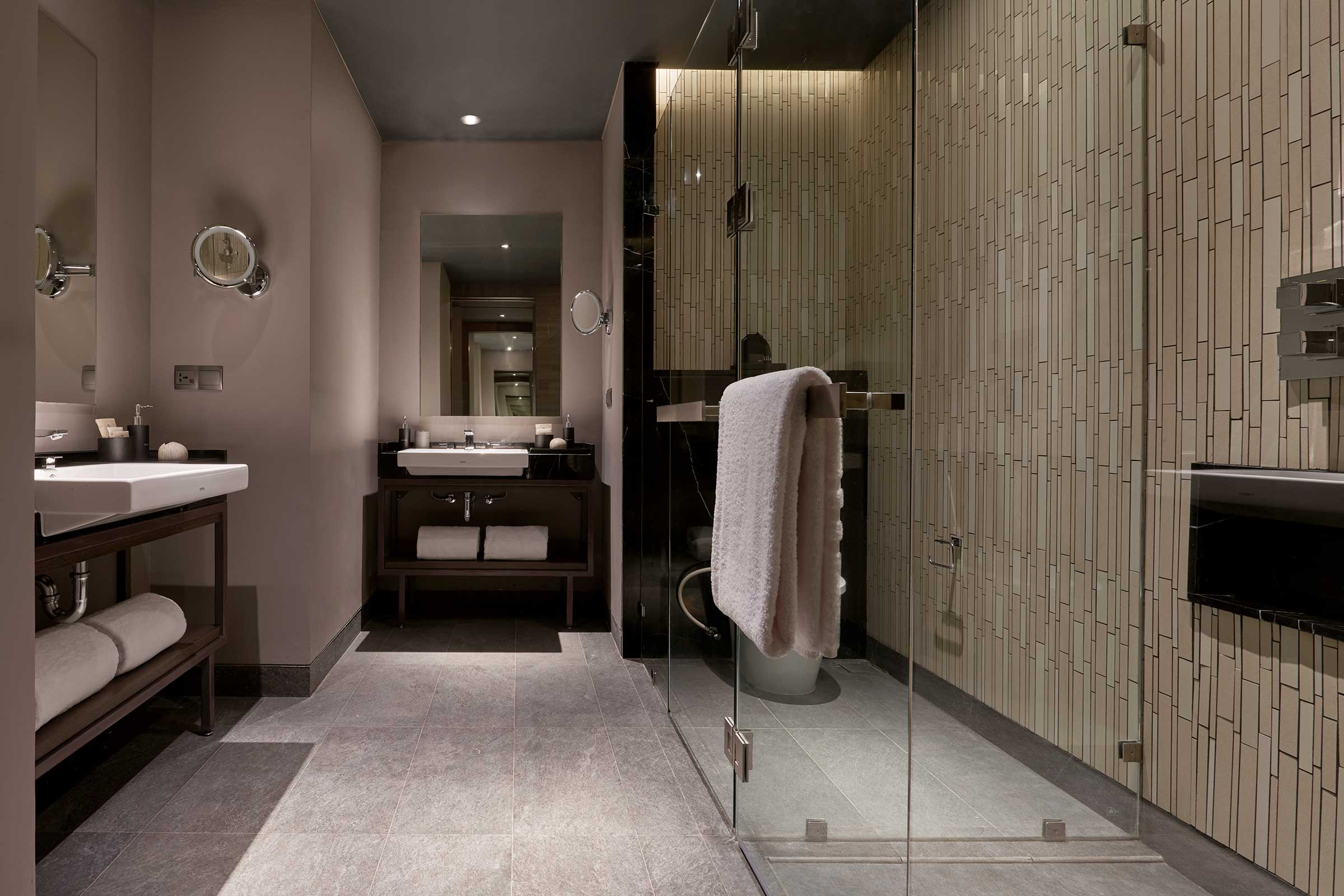 AJS---Accommodation---Studio-Twin---Bathroom.jpg