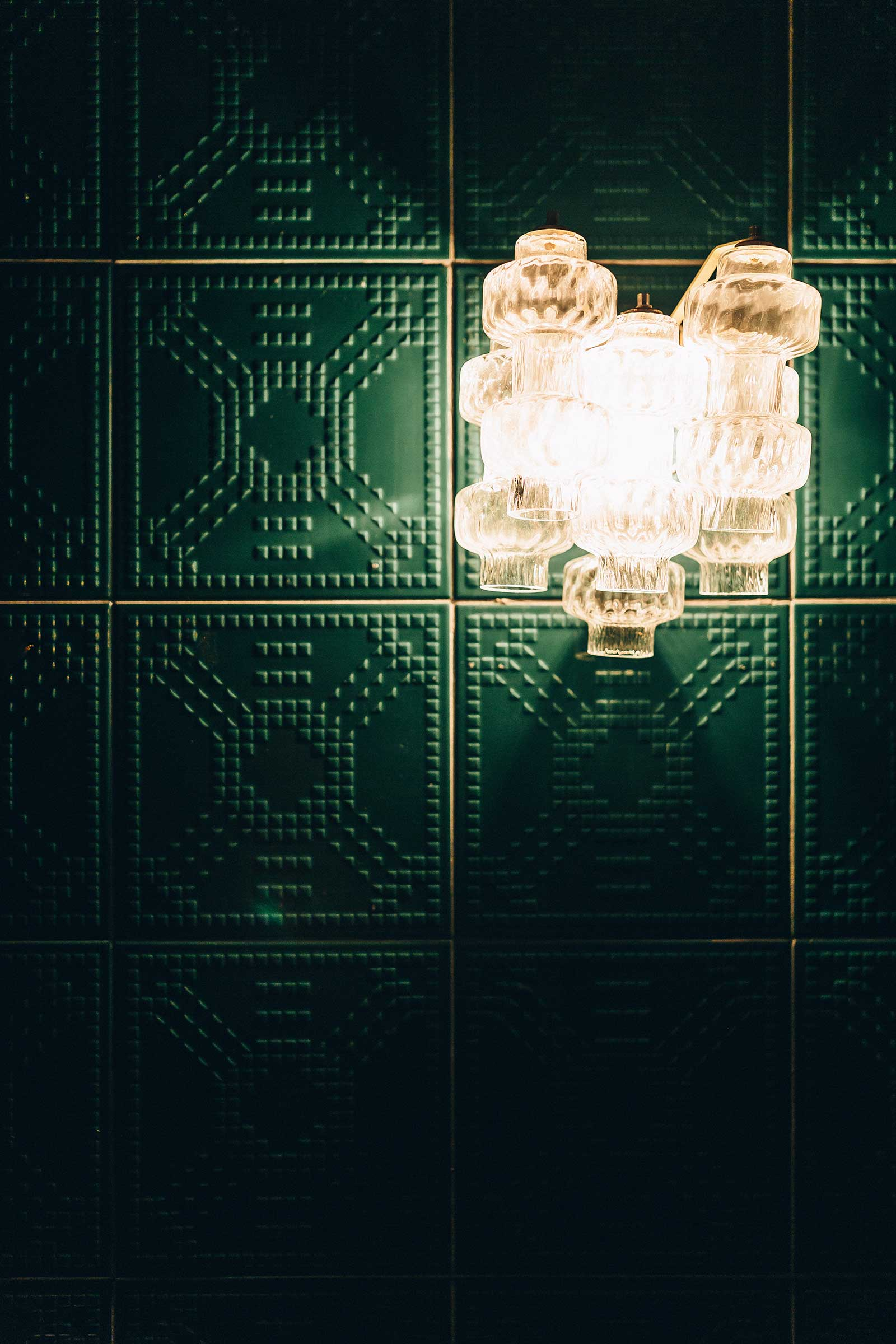 LOUISE_Wall-sconce-on-green-tiles.jpg