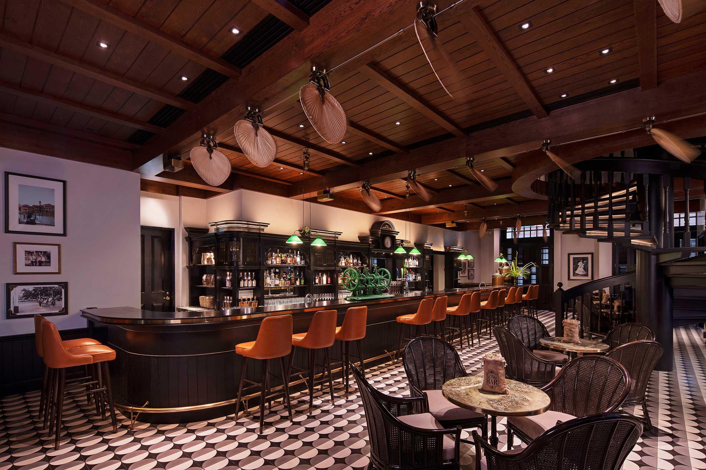 Long-Bar-Interior.jpg