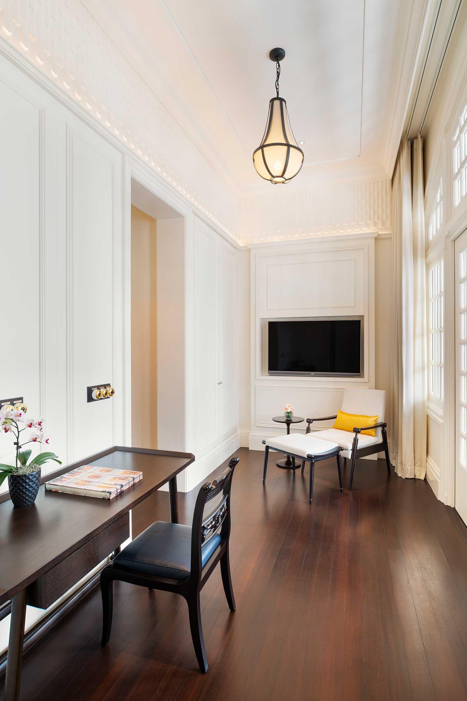 Residence-Suite---Entrance.jpg