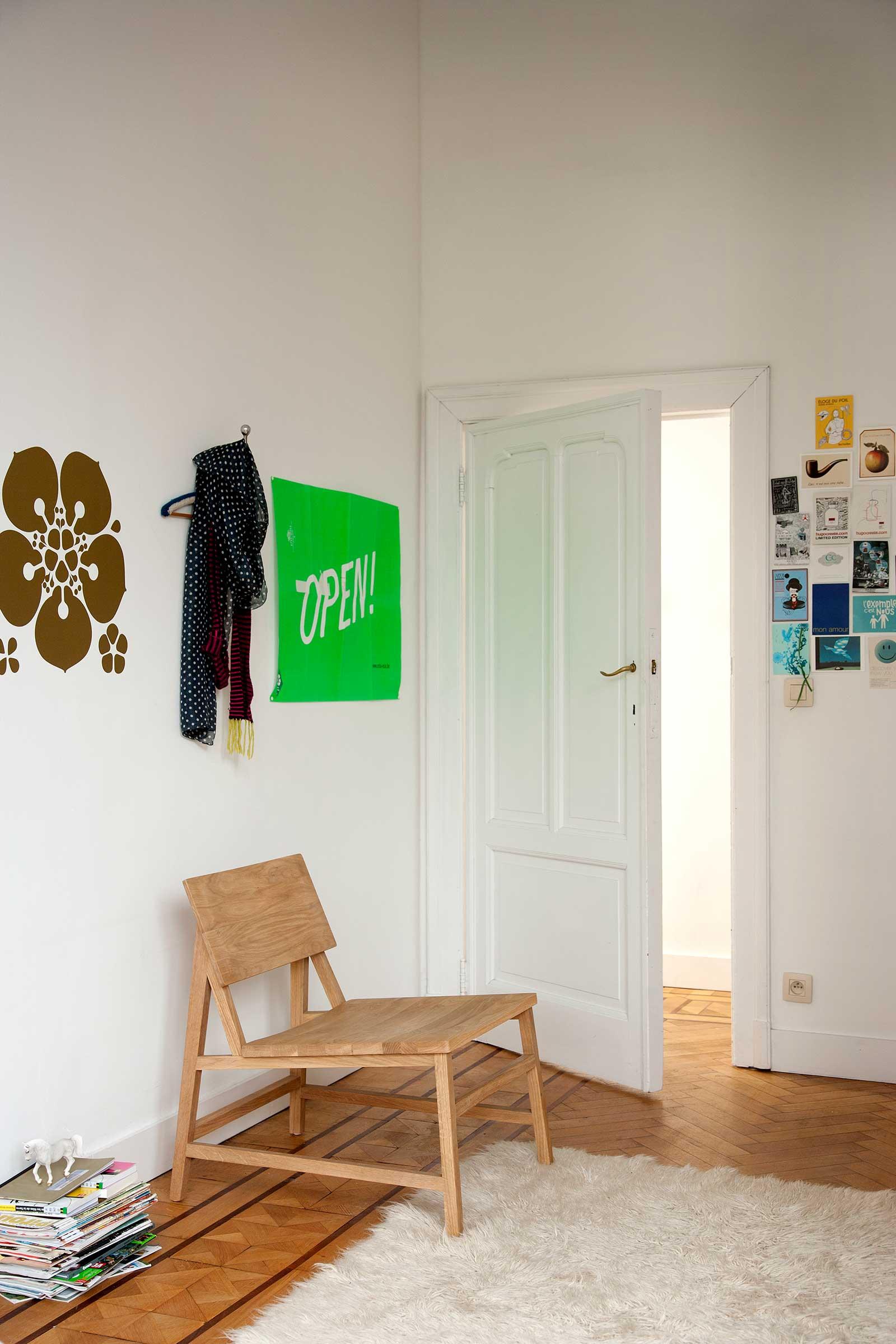 50686-Oak-N2-lounge-chair.jpg