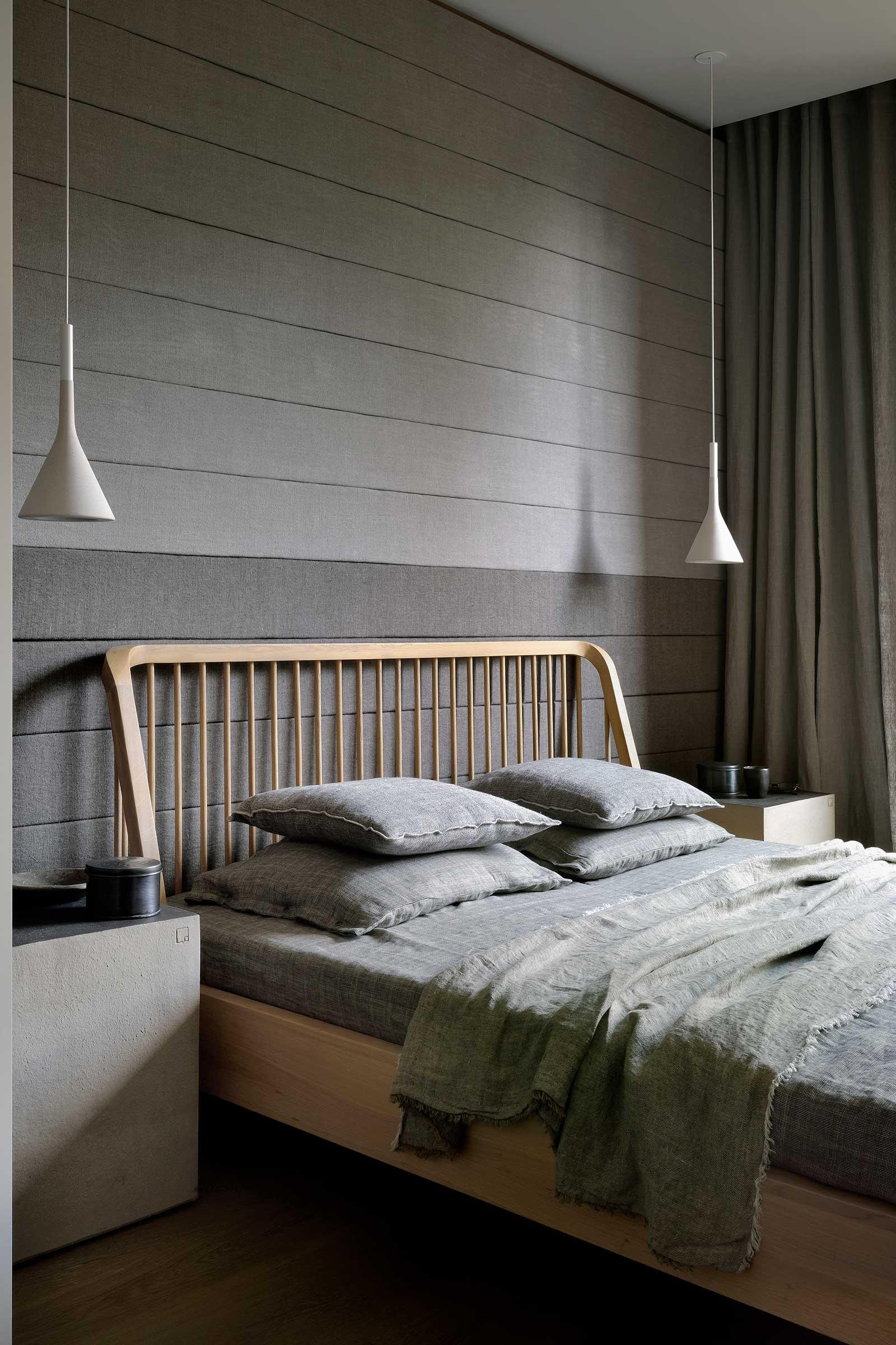 51247-Ethnicraft-Oak-Spindle-bed.jpg