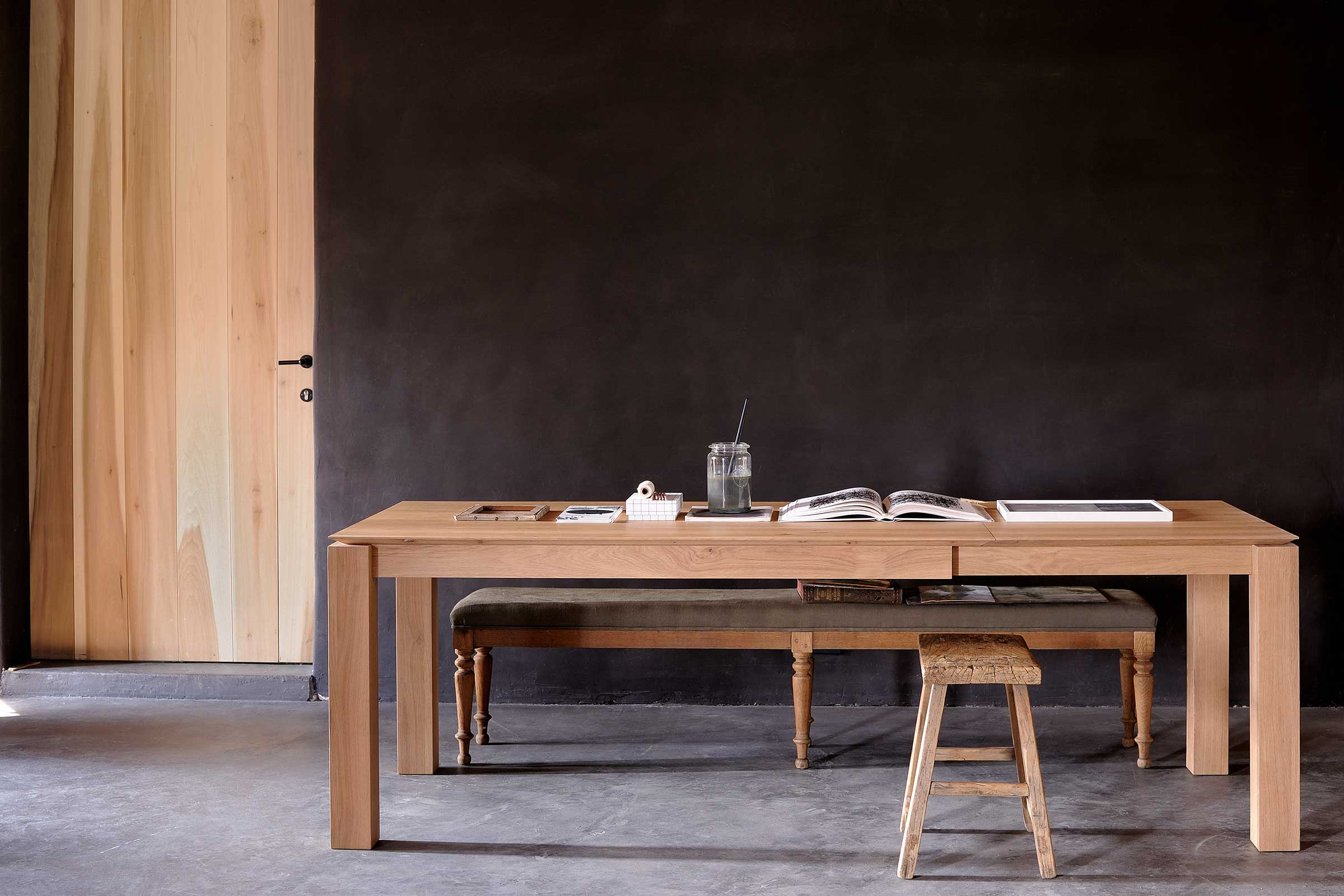 51943-Oak-Slice-extendable-dining-table.jpg