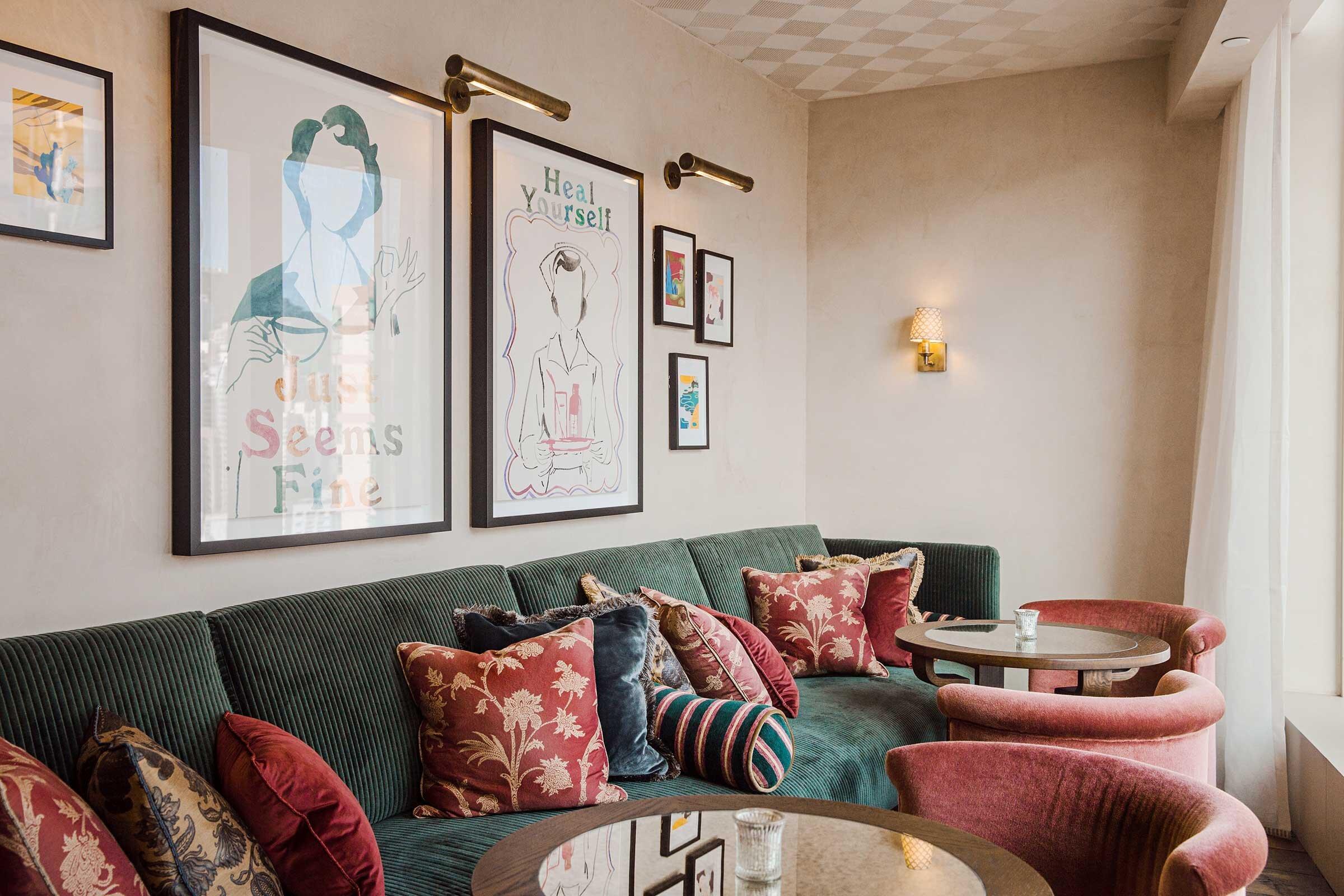 SHHK-Main-Bar---Sitting-Room-3.jpg