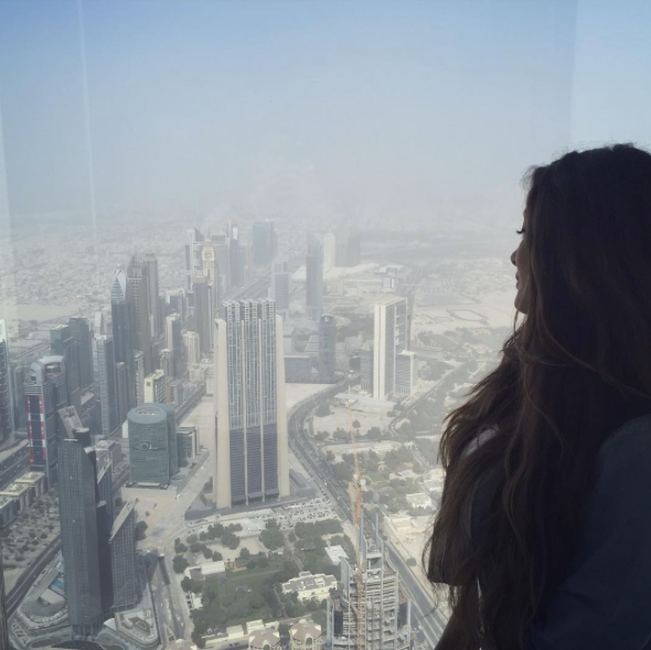 looking down carla maria bruno burj khalifa dubai tour travel tips travel blogger travel influencer travel vlogger lifestyle blogger lifestyle vlogger lifestyle influencer collaborate visit dubai.png