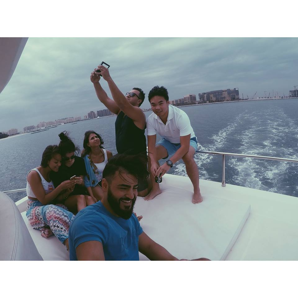 friends on a yacht in dubai carla maria bruno dubai yacht party marina jlt jbr boat travel influencer travel blogger travel vlogger lifestyle influencer lifestyle blogger lifestyle vlogger fashion travel tips tourism.jpg