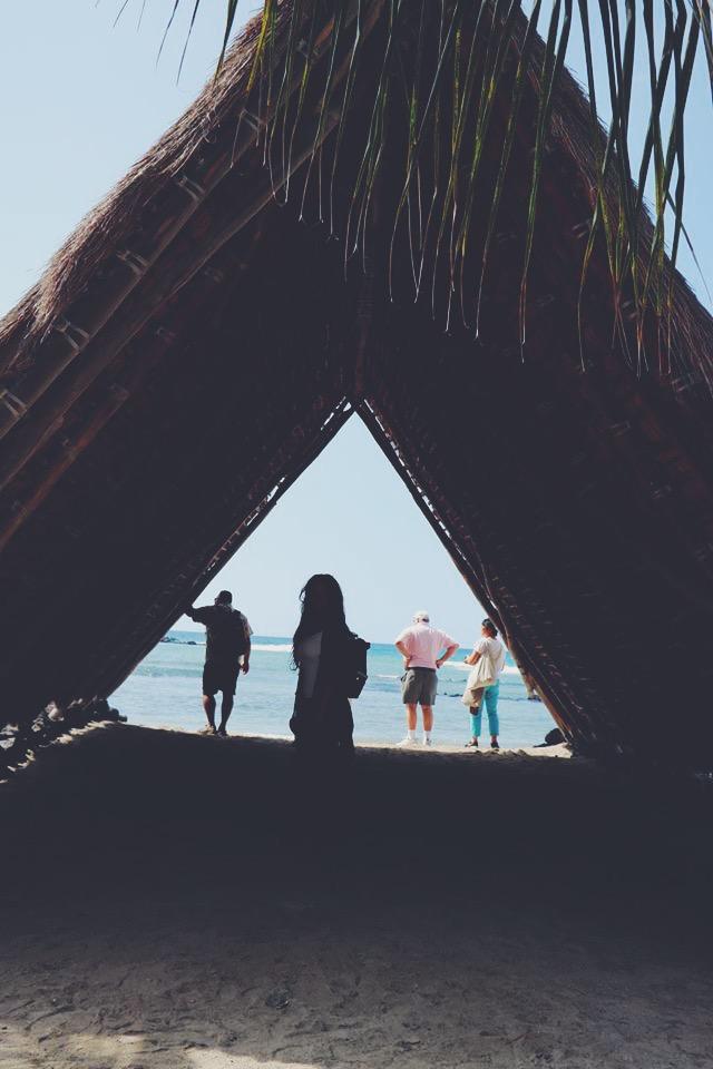 on the beach the gold coast travel tourism blogger vlogger influencer collaboration carla maria bruno travel with me tv blog youtube hawaii tips kona norwegian cruise line.JPG