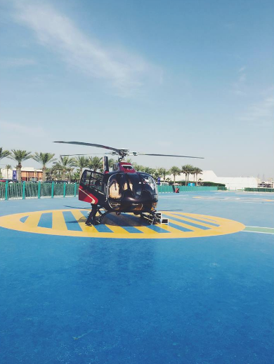helicopter ready for take off dubai helicopter tour fly high dubai what to do in dubai carla maria bruno travel blogger vlogger influencer collaboration.png
