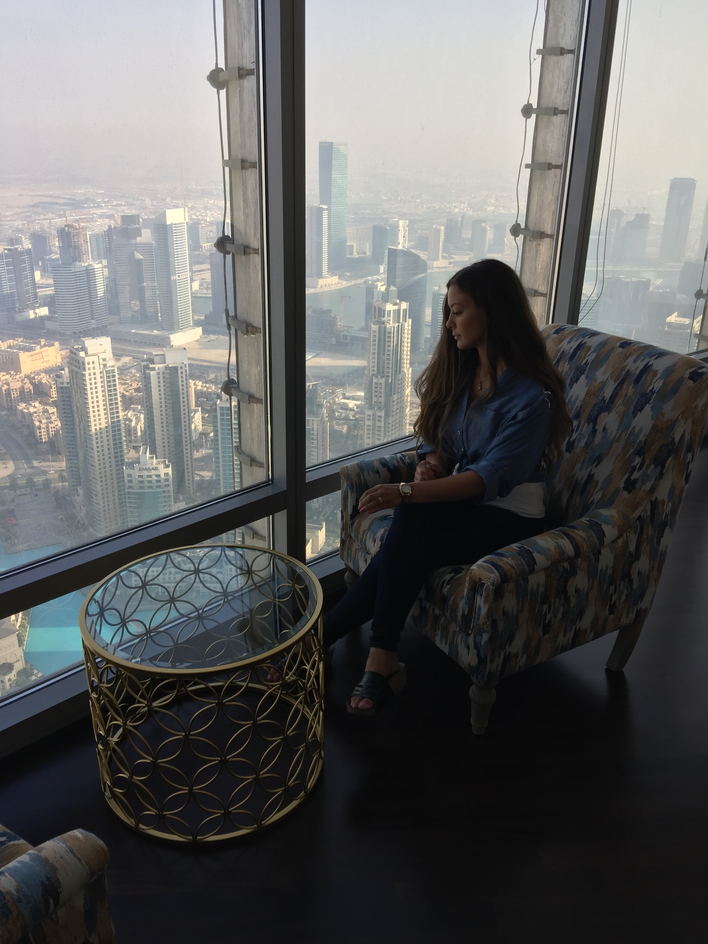 over looking dubai ferrari dubai burj khalifa room travel blogger influencer vlogger carla maria bruno advantures.jpg