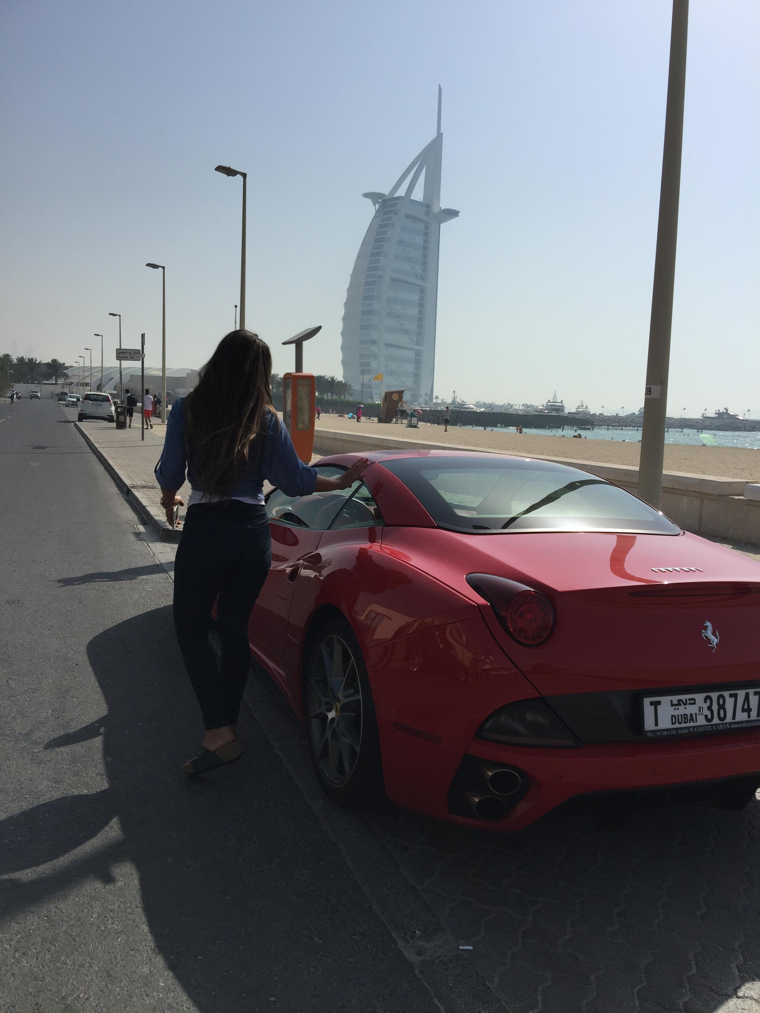 carla ferrari dubai burj khalifa room travel blogger influencer vlogger carla maria bruno advantures.jpg