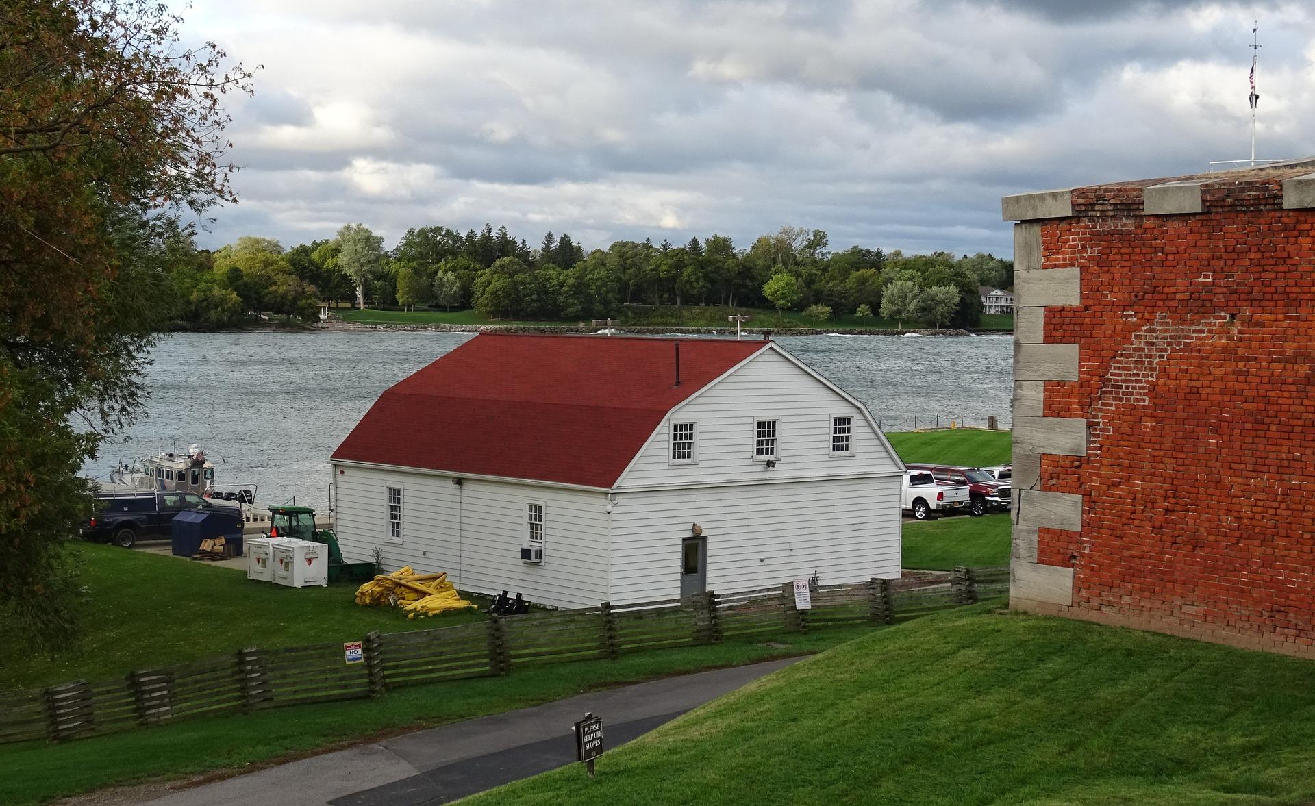 river-1032094_1920.jpg