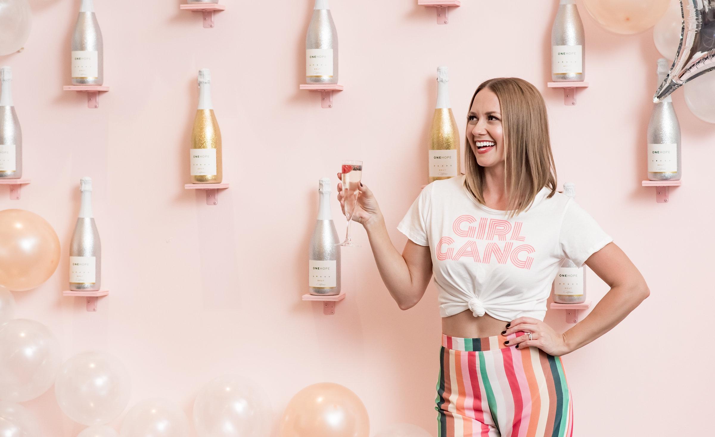 Meet lindsey schwartz - Wellness entrepreneur, author, and Midwest girl at heart