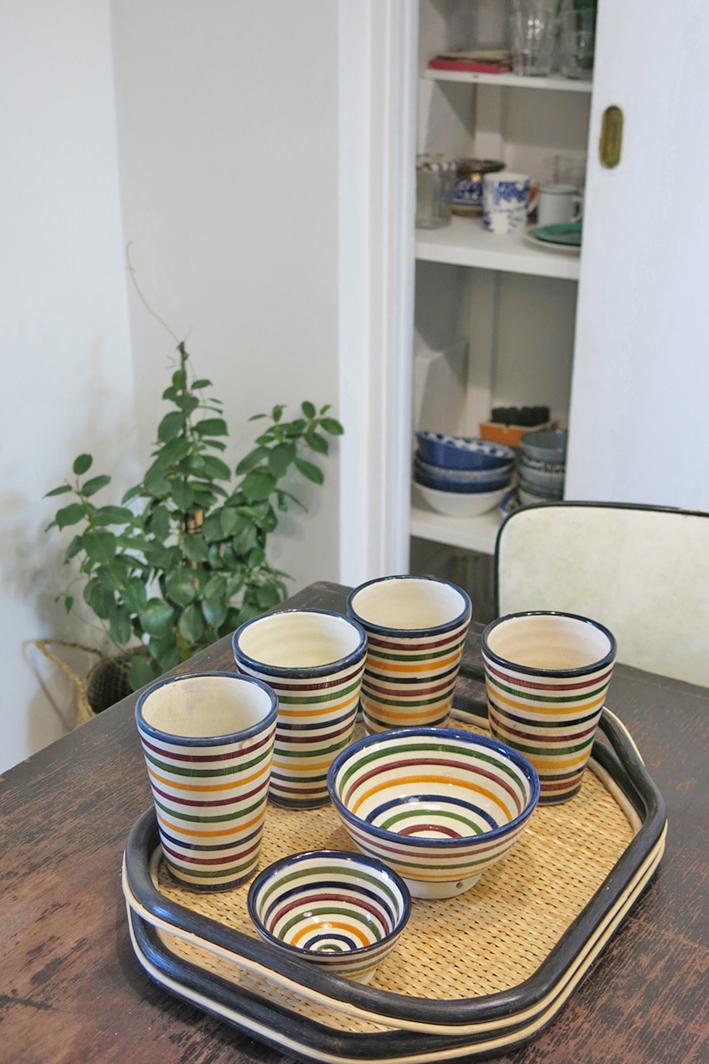 Service céramiques style Beldi Maroc céramique de Safi.    Plateau design contemporain algérien.