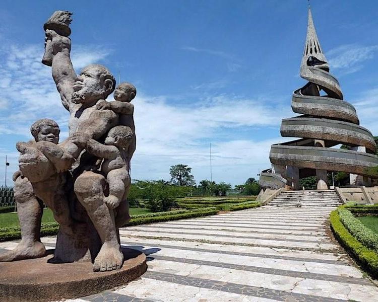 monument-de-la-reunification.jpg