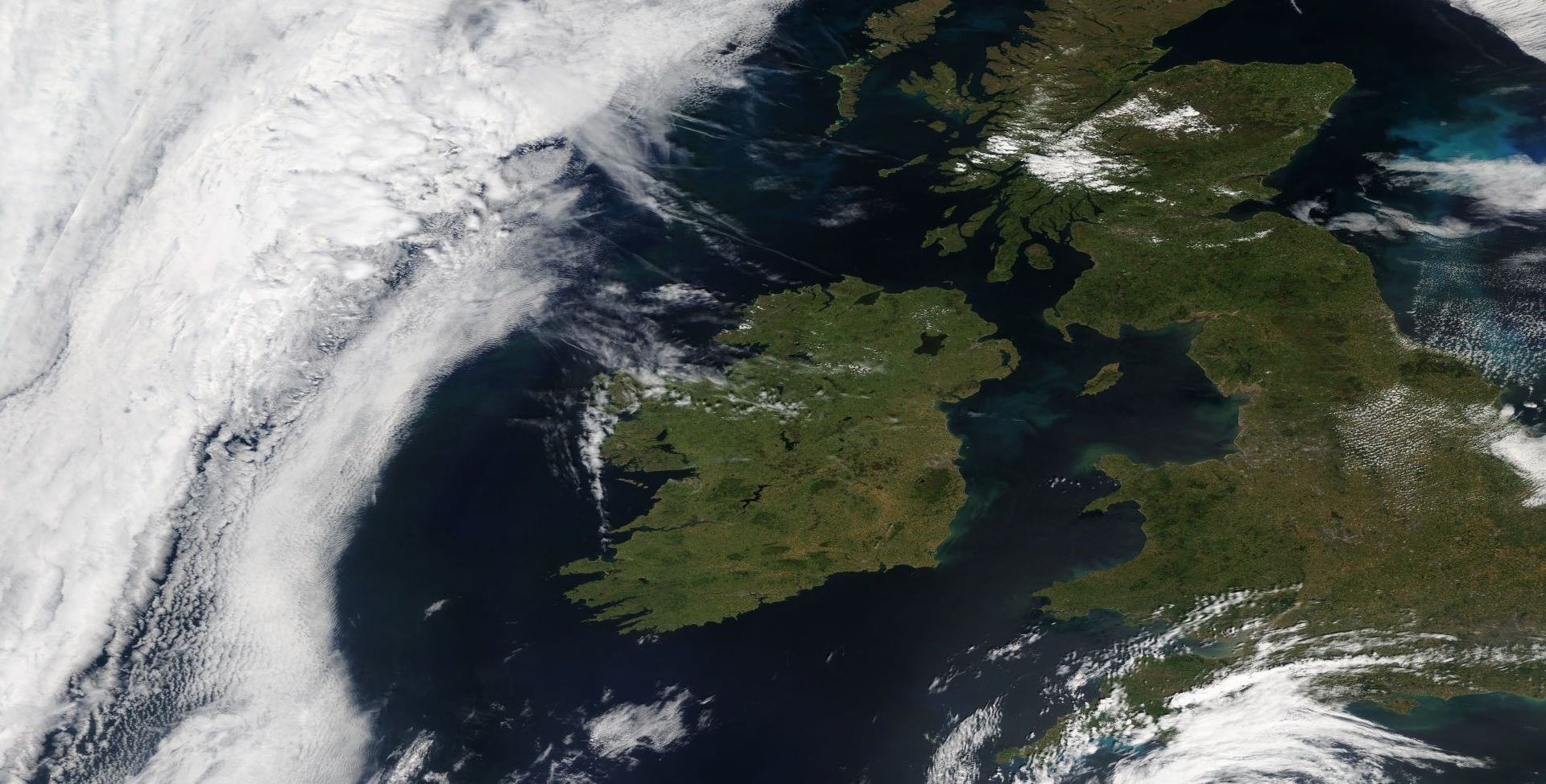 Modis Satellite on the 3th of July 2018 showing brown parts in the east and south