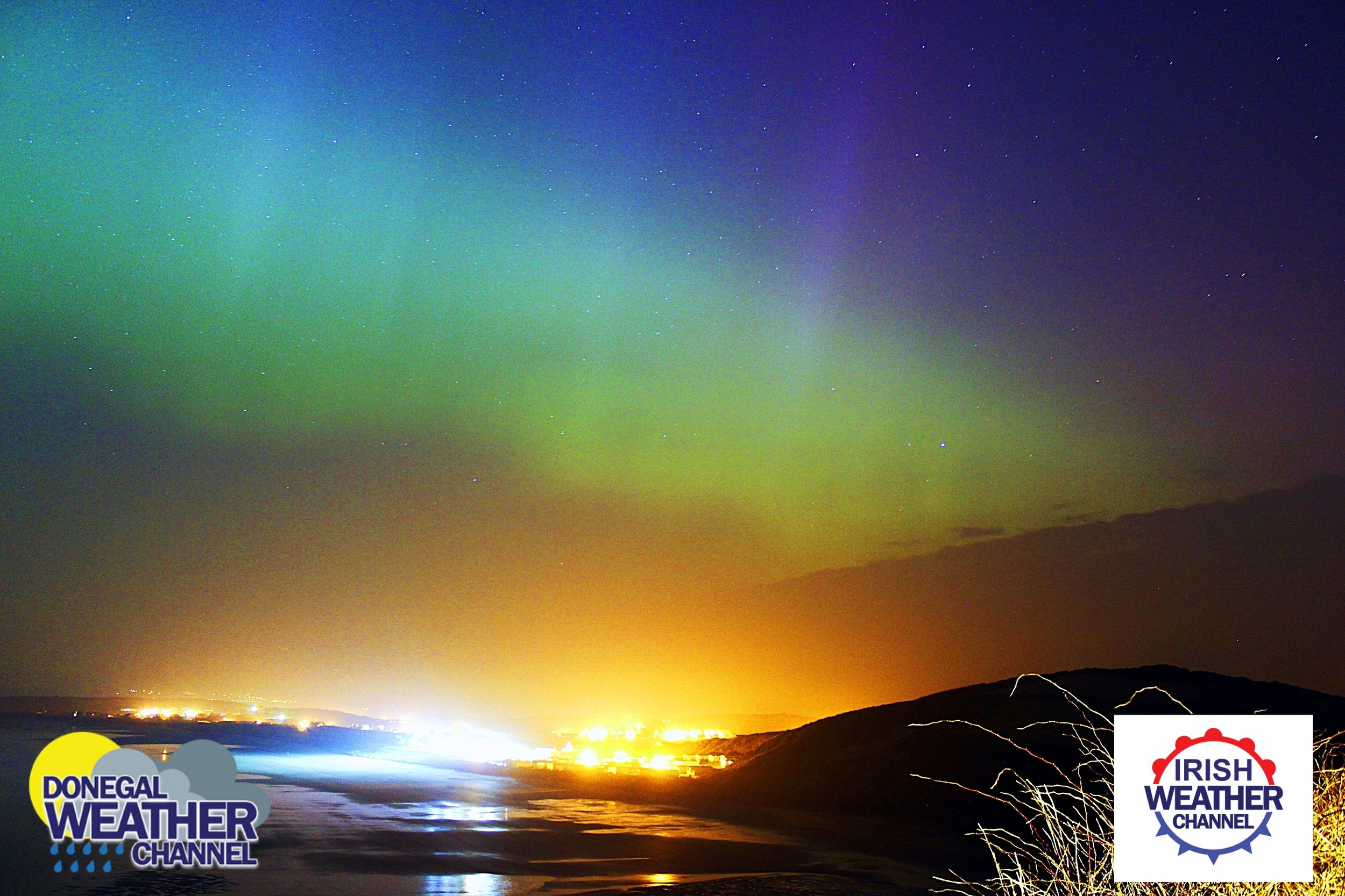 The northern light over Rossnowlagh Beach, Donegal, Ireland Saint Patrick's night 2015 during a big solar storm. Photo  Donegal Weather Channel  /  Kenneth Mc Donagh Photography
