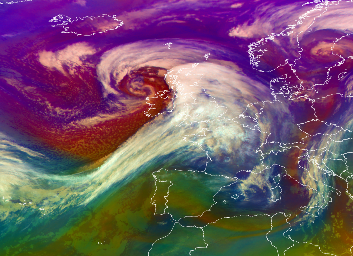 IMPRSSIVE VIEW OF STORM ERIK THIS MORNING OF THE NORTHWEST COAST