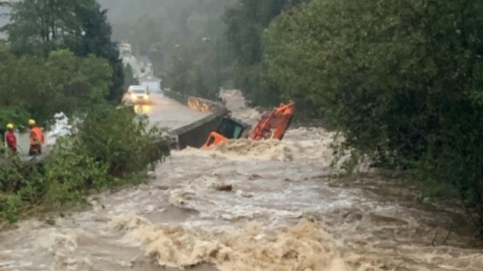 The Glen Road in Laxey is closed. Credit: Isle of Man Police