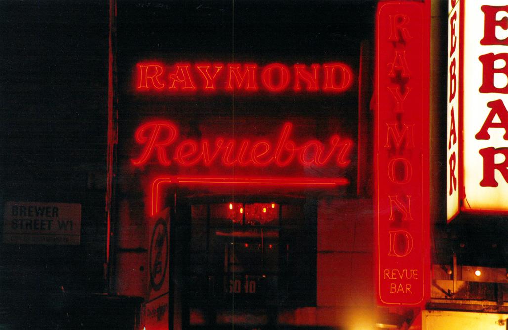 2)Raymond Review Bar colour by Laura Hodgson.jpg