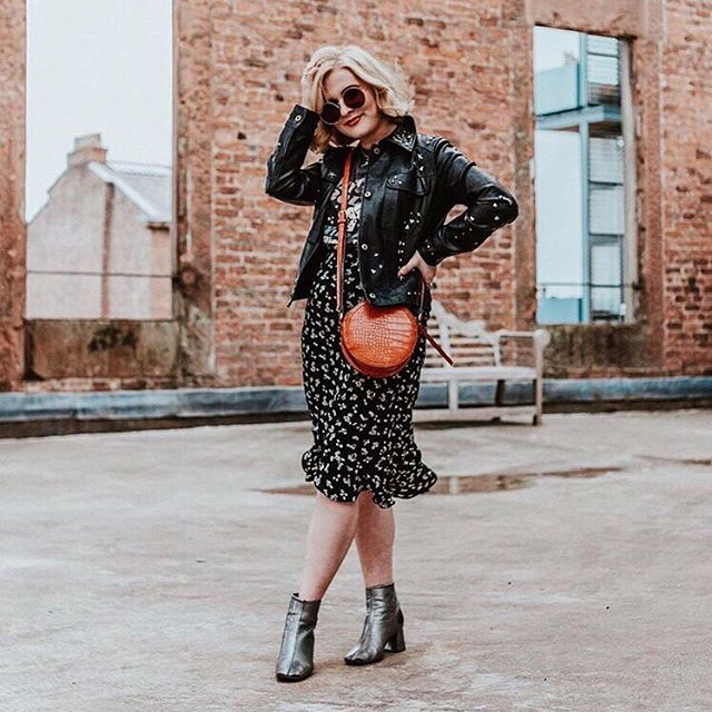 M E ET  T H E  P A N E L ✨ meet Abbie who talks all things fashion, beauty and lifestyle on her blog @blushandnoise, shares her insane sixties and seventies inspired style on Instagram and is a social media manager by day 💁🏻‍♀️ I'm really excited to chat to Abbie about how she navigates social media for personal and professional purposes, how she creates and curated her content and how she found her unique style 💃🏻 . click the link in my bio to join us at @onefineday_liv tomorrow evening to chat to Abbie and the rest of our amazing panel, meet likeminded women and have a drink with us 🥂 ⠀⠀⠀ ⠀ ⠀⠀⠀ ⠀ ⠀⠀⠀ ⠀ ⠀⠀⠀ ⠀ ⠀⠀⠀ ⠀ #girlsdoingcoolthings #womensupportwomen #communityovercompetition #amazingwomen #livbloggers #livblogsquad #blogandbeyond #girlgang #liverpoolevents #eventsliverpool #ladiesnightout #createyourlife #lbloggers #ukblogger #thegirlgang #girlpower #grlpwr #thisdelightfullife #findingthejoyineveryday #theeverygirl #womeninbusiness #careergirl #careergirldaily #girlbossmoment #abmhappylife #creativehappylife #onegirlband #createtocultivate #liveauthentic #womenwho