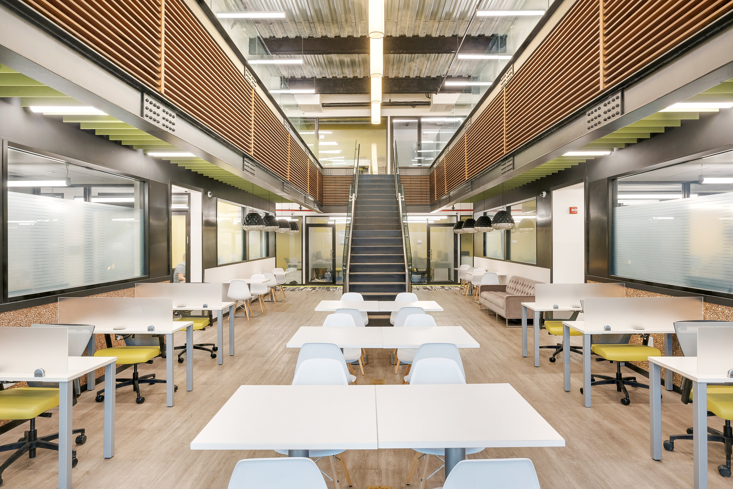 Dedicated Desks - Access to all the amenities 24/7, in a collaborative, open atmosphere.