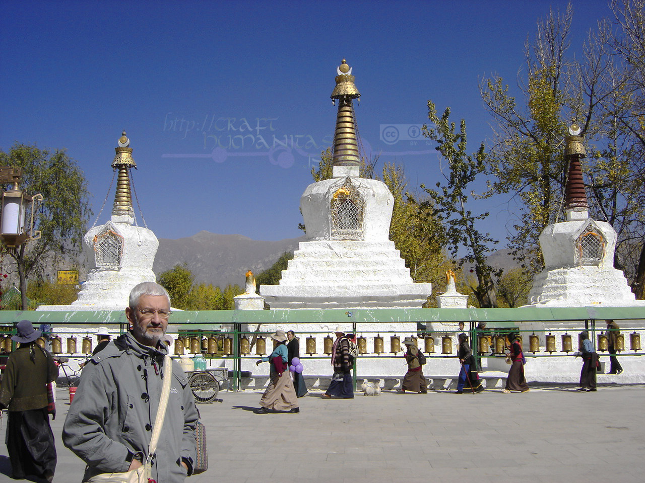 A very old photo: Fran in Lhasa on October 2007. Shot by my brother, Juan Luis Ayllón.