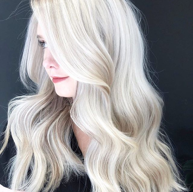 Speechless is right @erikastadighair ✨ Keeping our blondes healthy is our number 1 priority ✨@labiosthetiquecanada @labiosthetiqueparis PCC treatment let's us get these amazing results with no breakage #healthyhair #pcctreatment #labiosthetique #labiosthetiquecolor #labiosthetiquecanada #ariandblair #ariandblairsalon #calgaryhair #calgaryhairstylist