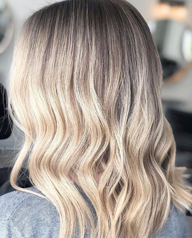 Buttery tones for fall 🍂 hair by our newest team member @hairbytawnee #ariandblair #ariandblairsalon #calgarysalon #yychair #yychairstylist #fallishere